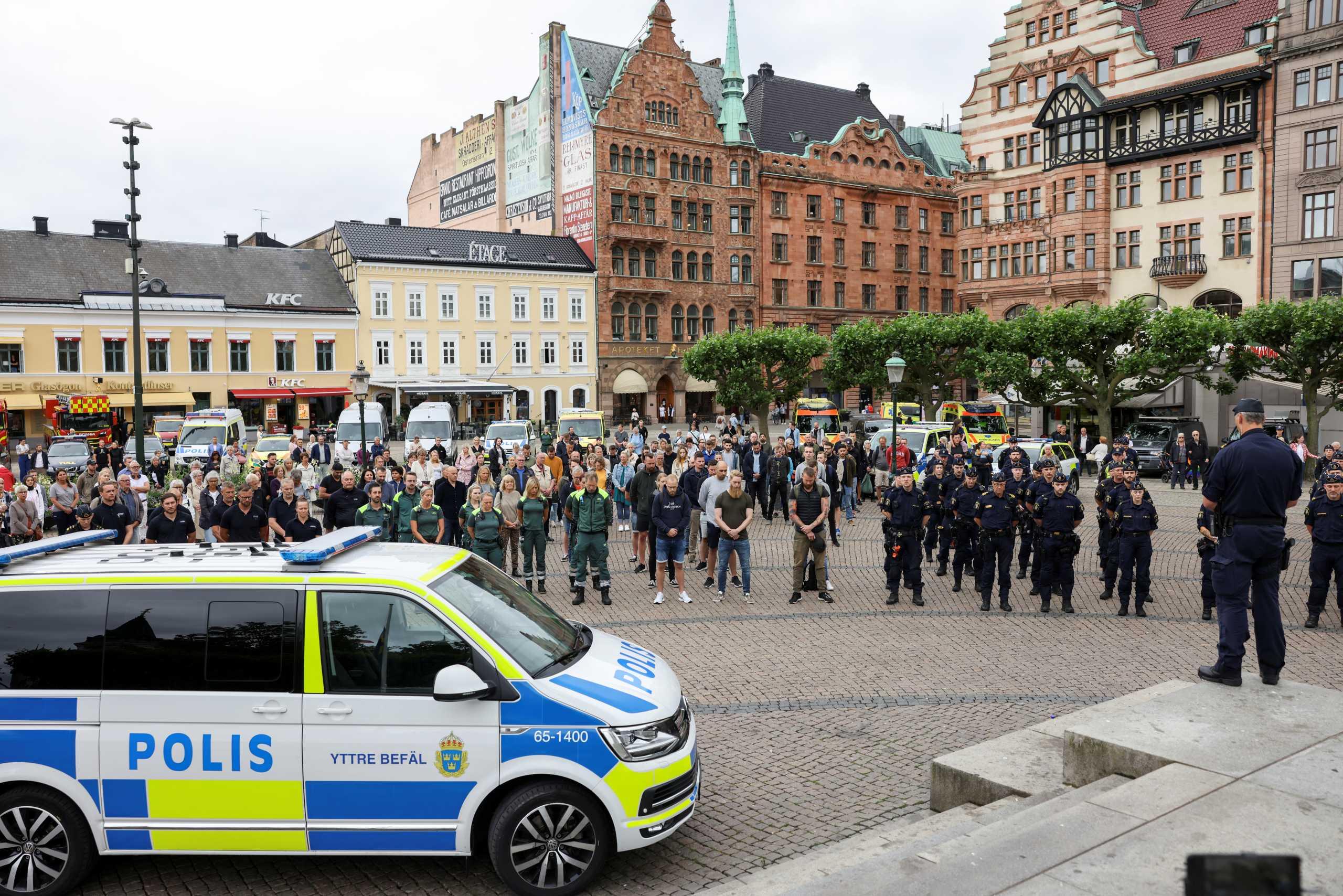 Σουηδία: Ο πρώτος θάνατος αστυνομικού από πυρά μετά από 14 χρόνια – Κατηγορείται ένας 17χρονος