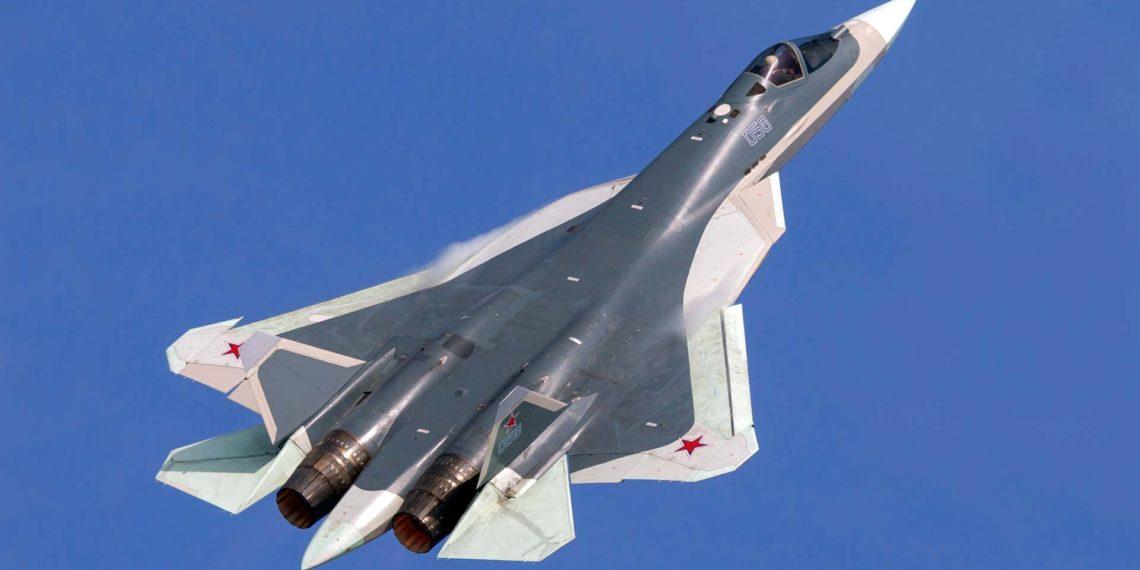 Su-57: Οι Ρώσοι θα αναπτύξουν νέες εκδόσεις του stealth μαχητικού αεροσκάφους