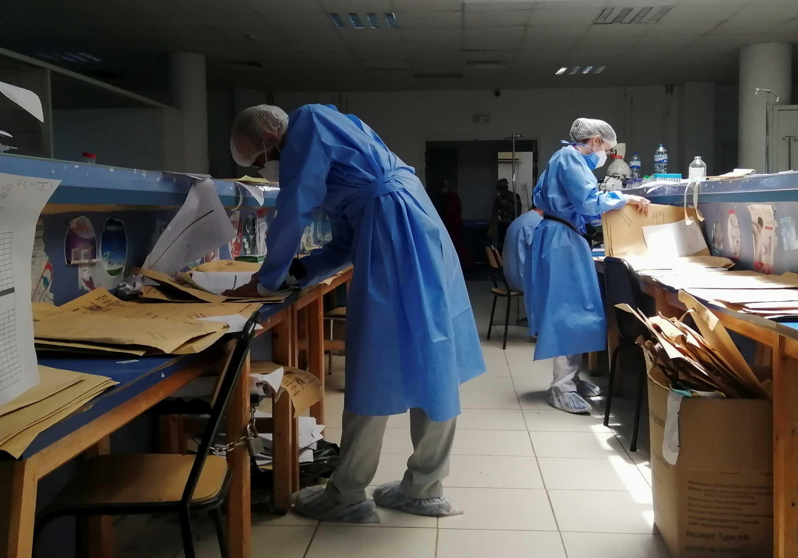 Τυνησία: Ο πρωθυπουργός «τελείωσε» τον υπουργό Υγείας λόγω της πανδημίας