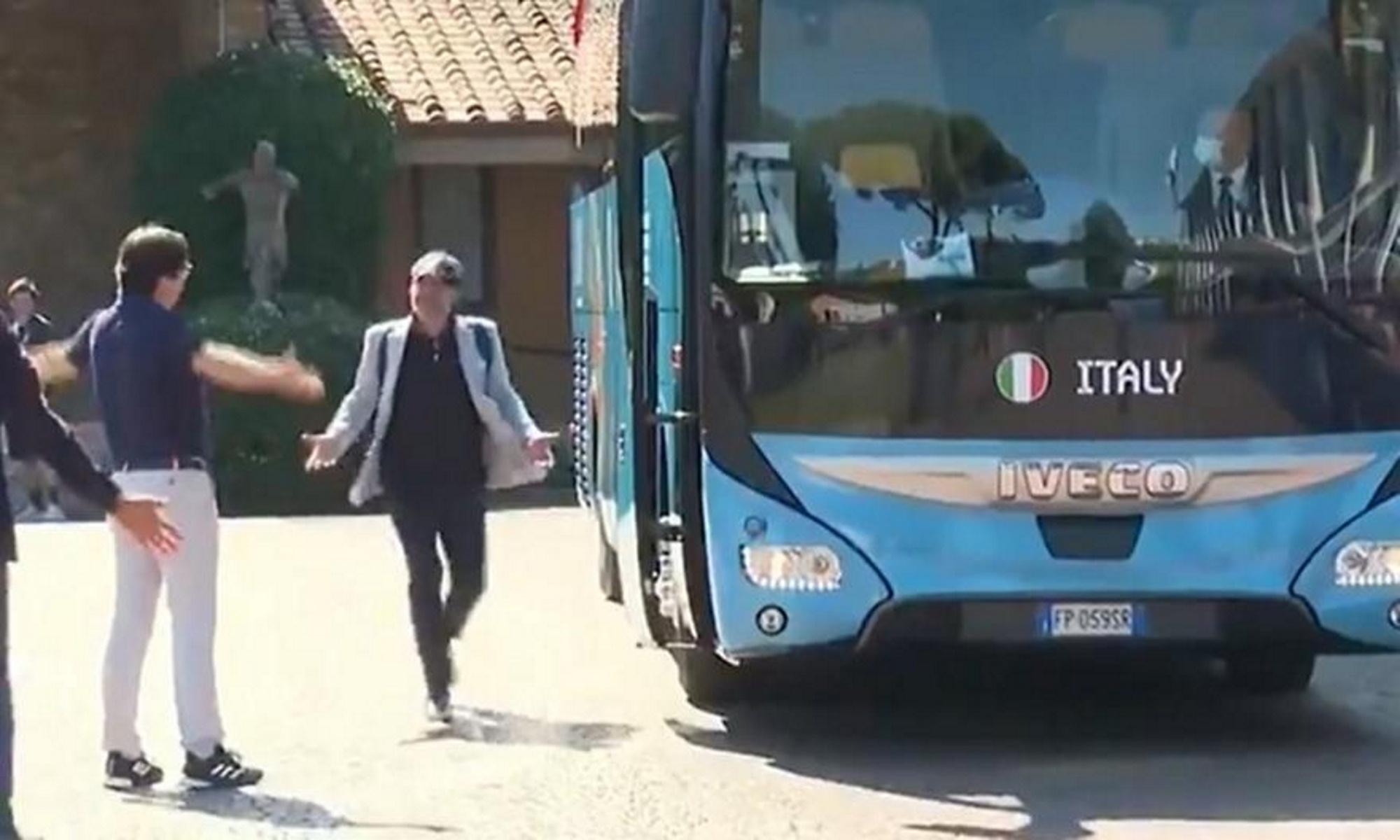 Euro 2020: Το πούλμαν της Ιταλίας πήγε να φύγει χωρίς τον Βιάλι για «γούρι»