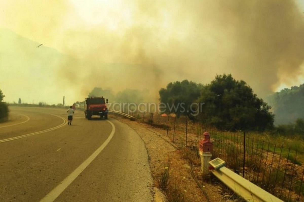 Φωτιά στα Χανιά: Καίει ανεξέλεγκτη – Εκκενώθηκαν σπίτια