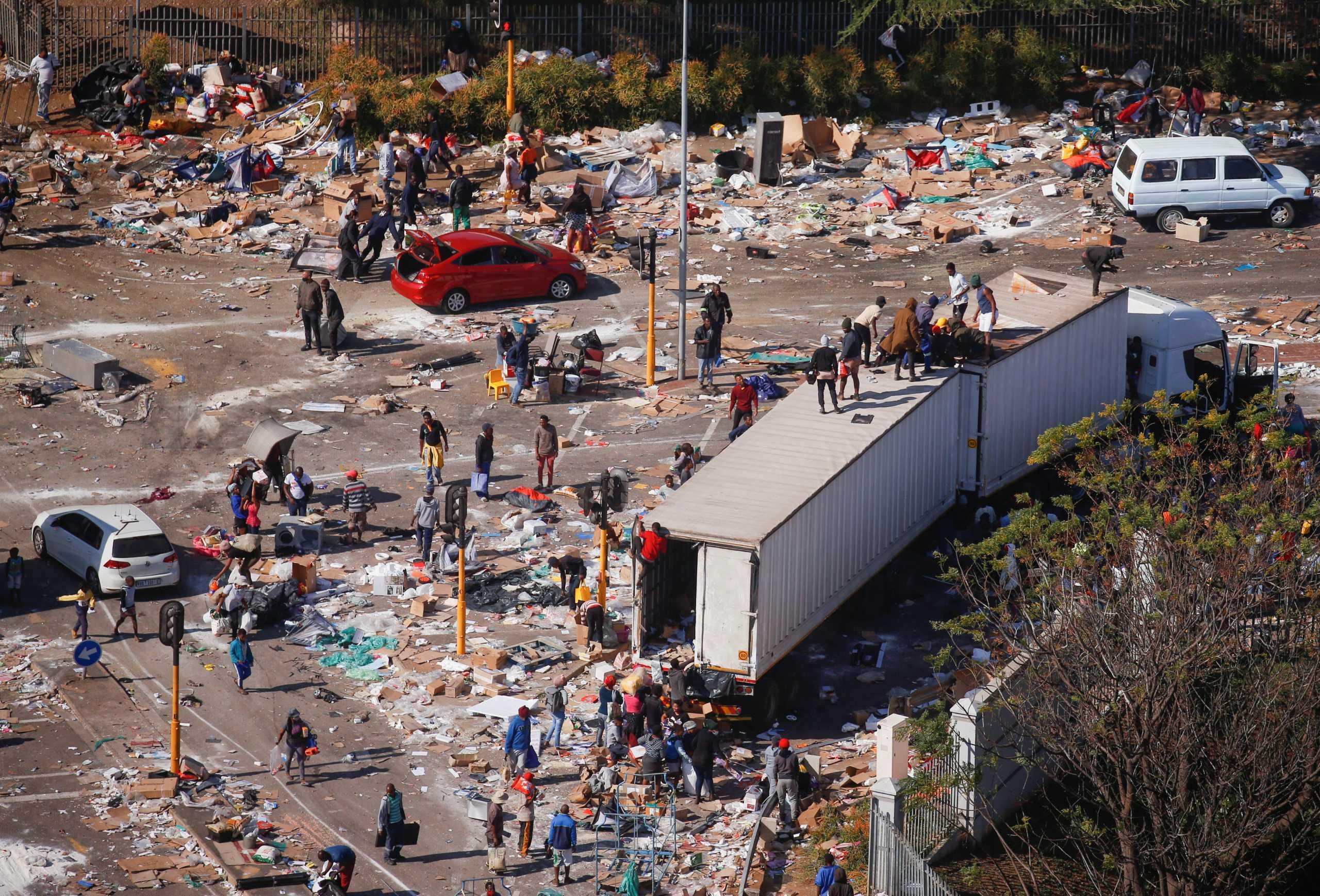 Νότια Αφρική: Στους 337 οι νεκροί από τα βίαια επεισόδια των τελευταίων ημερών