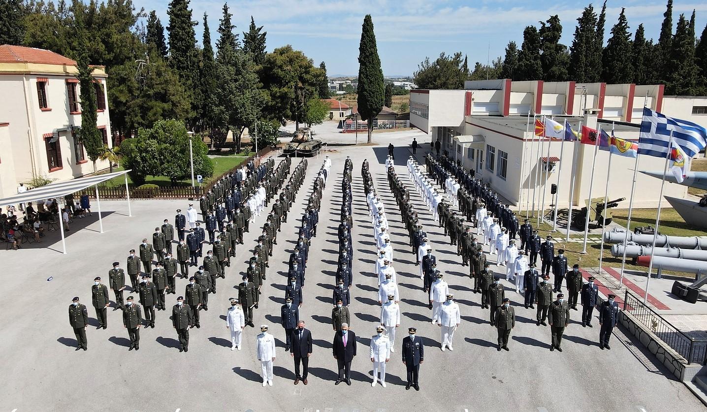 ΓΕΕΘΑ: Τελετή αποφοίτησης της 18ης Εκπαιδευτικής Σειράς της Σχολής Πολέμου [pics]