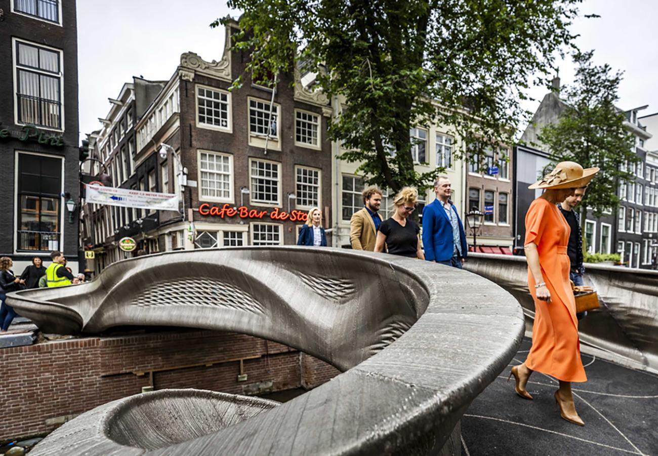 Σε κανάλι του Άμστερνταμ η πρώτη ατσάλινη γέφυρα από τρισδιάστατο εκτυπωτή