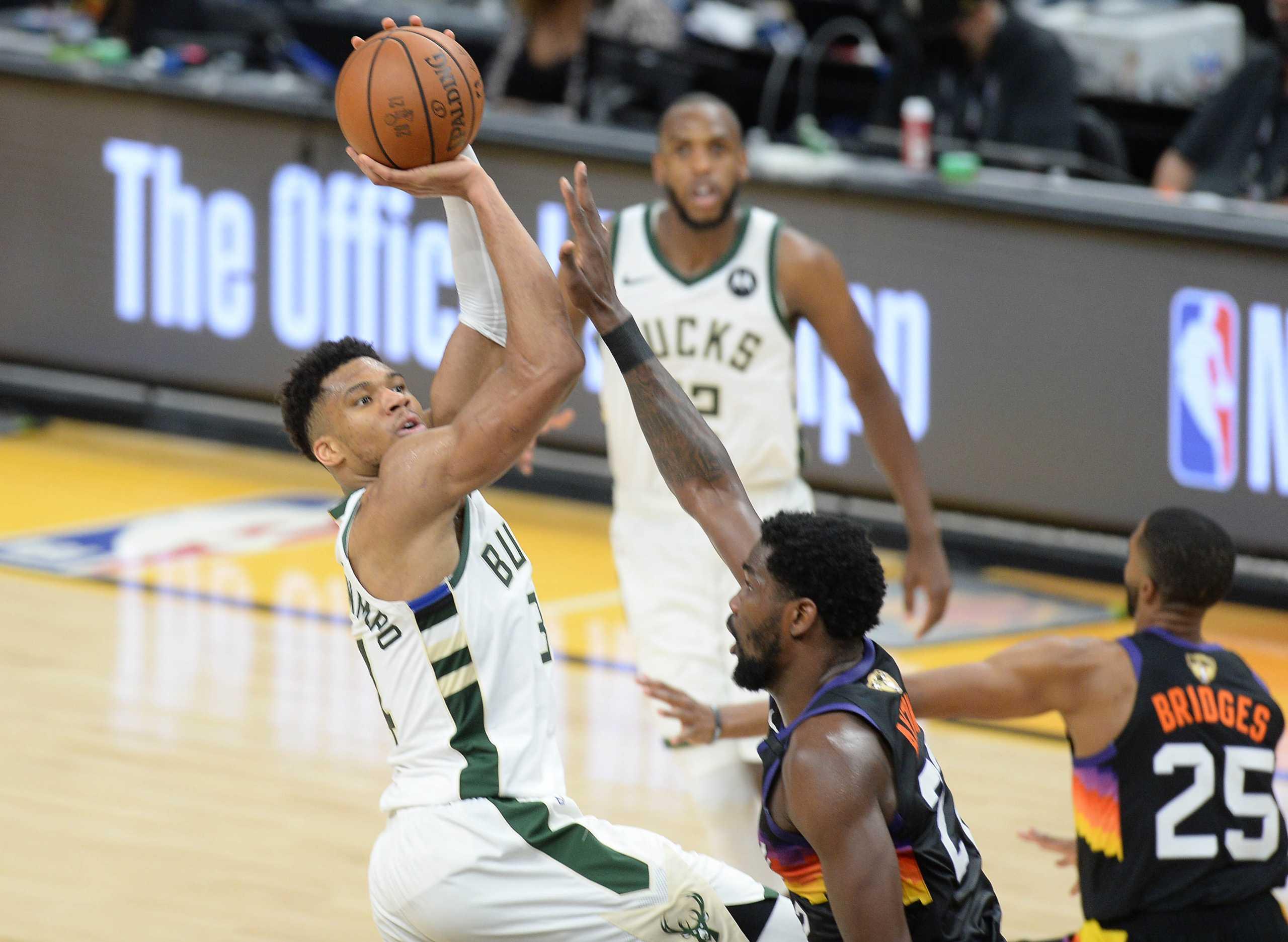 Τελικοί NBA: «Γολγοθάς» για τους Μπακς, μόνο τέσσερις ομάδες επέστρεψαν από 2-0