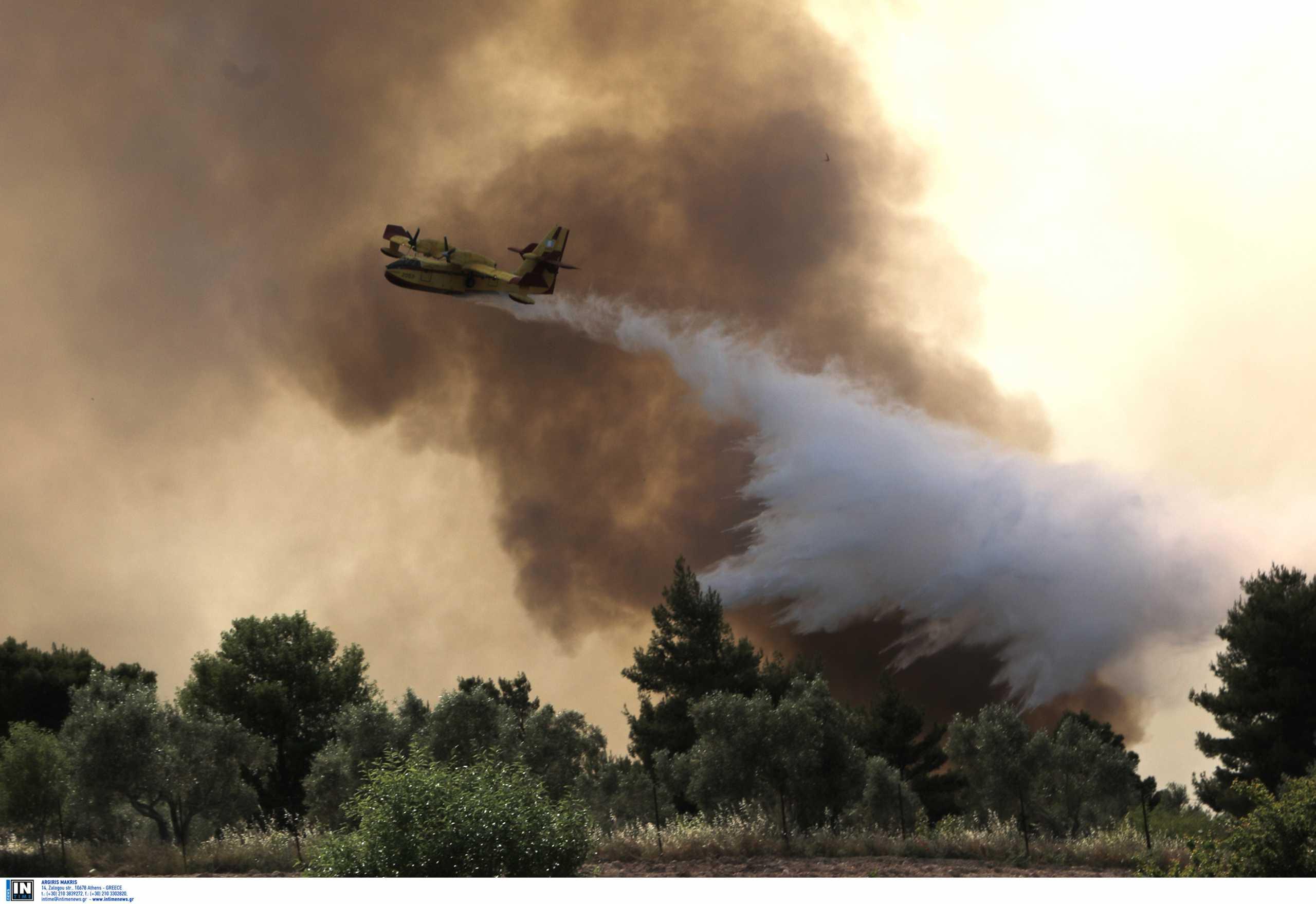 Μέθανα: Η φωτιά περικυκλώνει σπίτια – Κάηκε ένα στο χωριό που εκκενώθηκε – Πώς ξέφυγε η πυρκαγιά