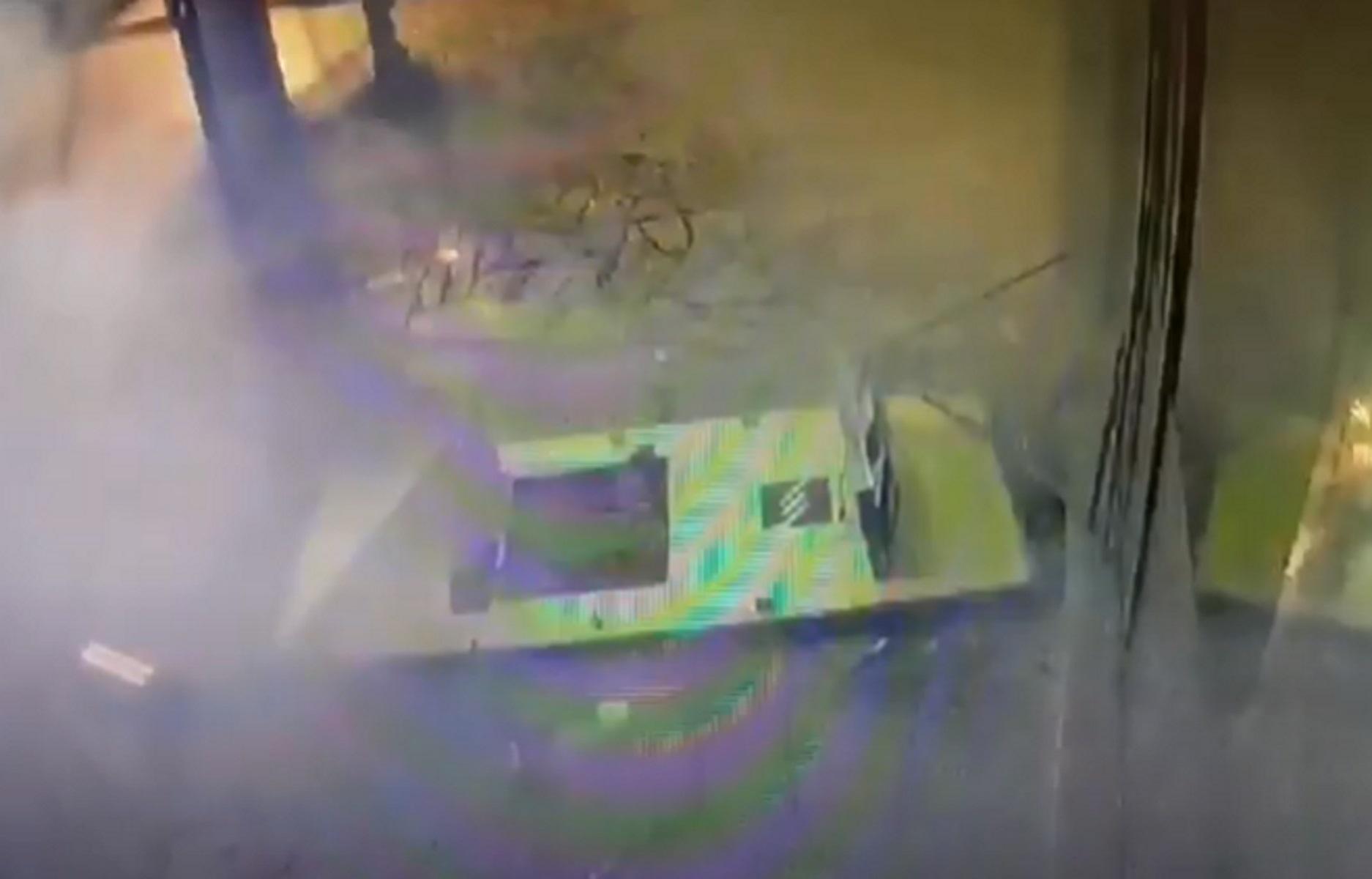 Βίντεο ντοκουμέντο: Έτσι ανατίναζε τα ATM η τριμελής συμμορία