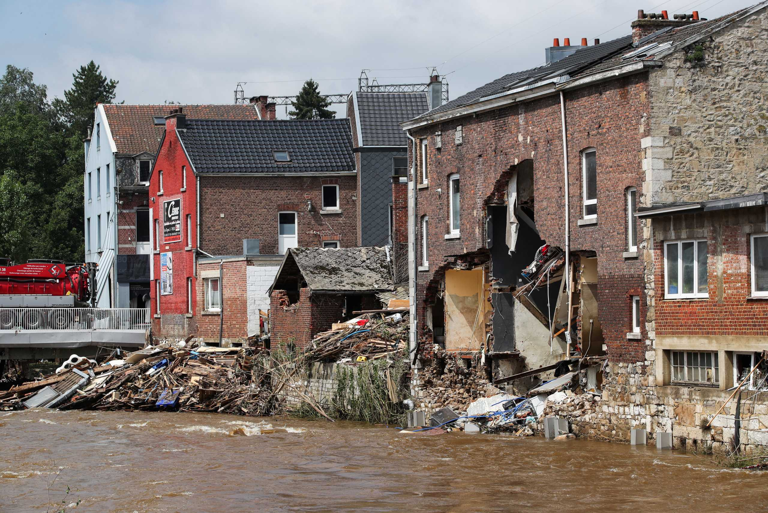 Γερμανία: Φόβοι για έξαρση του κορονοϊού μετά τις πλημμύρες