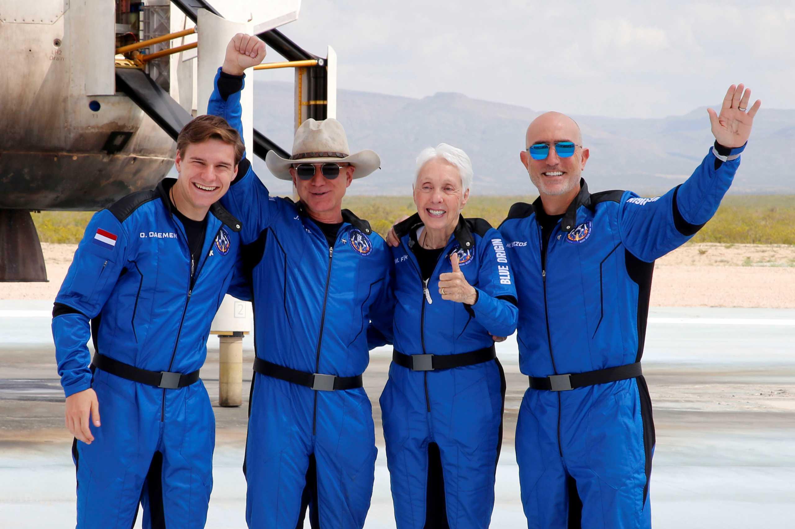 Τζεφ Μπέζος: Έμεινε «άναυδος» από το ταξίδι του στο Διάστημα – Τι τον μάγεψε