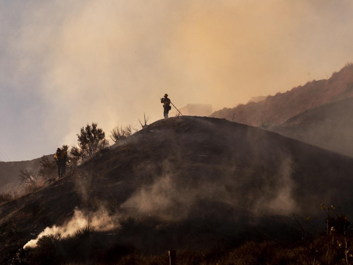 Καλιφόρνια: Τεράστια πυρκαγιά δημιουργεί πλέον δικό της κλίμα με κεραυνούς και ισχυρούς ανέμους