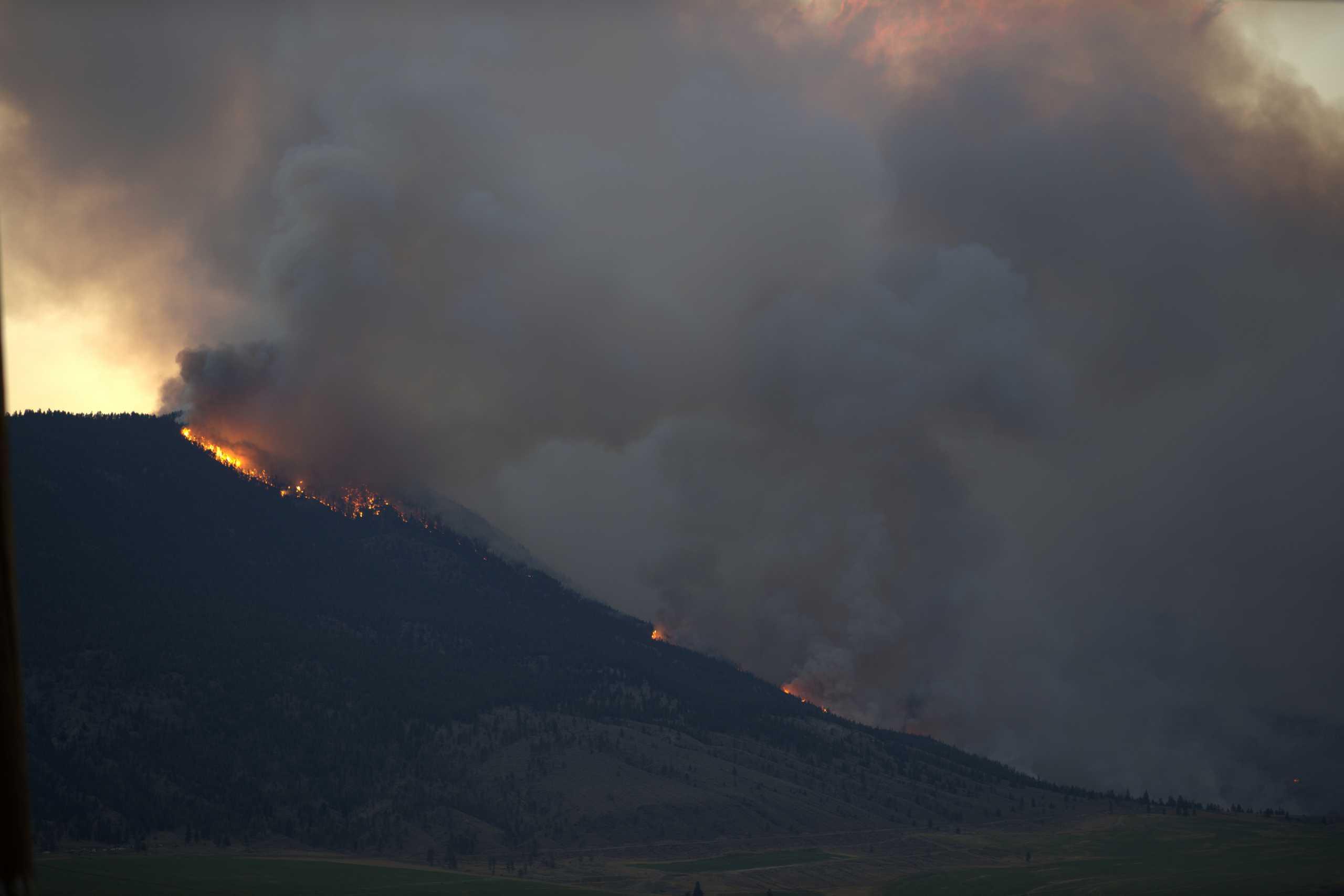 Καναδάς: Εκατοντάδες κάτοικοι εγκατέλειψαν τα σπίτια τους εξαιτίας των μεγάλων πυρκαγιών