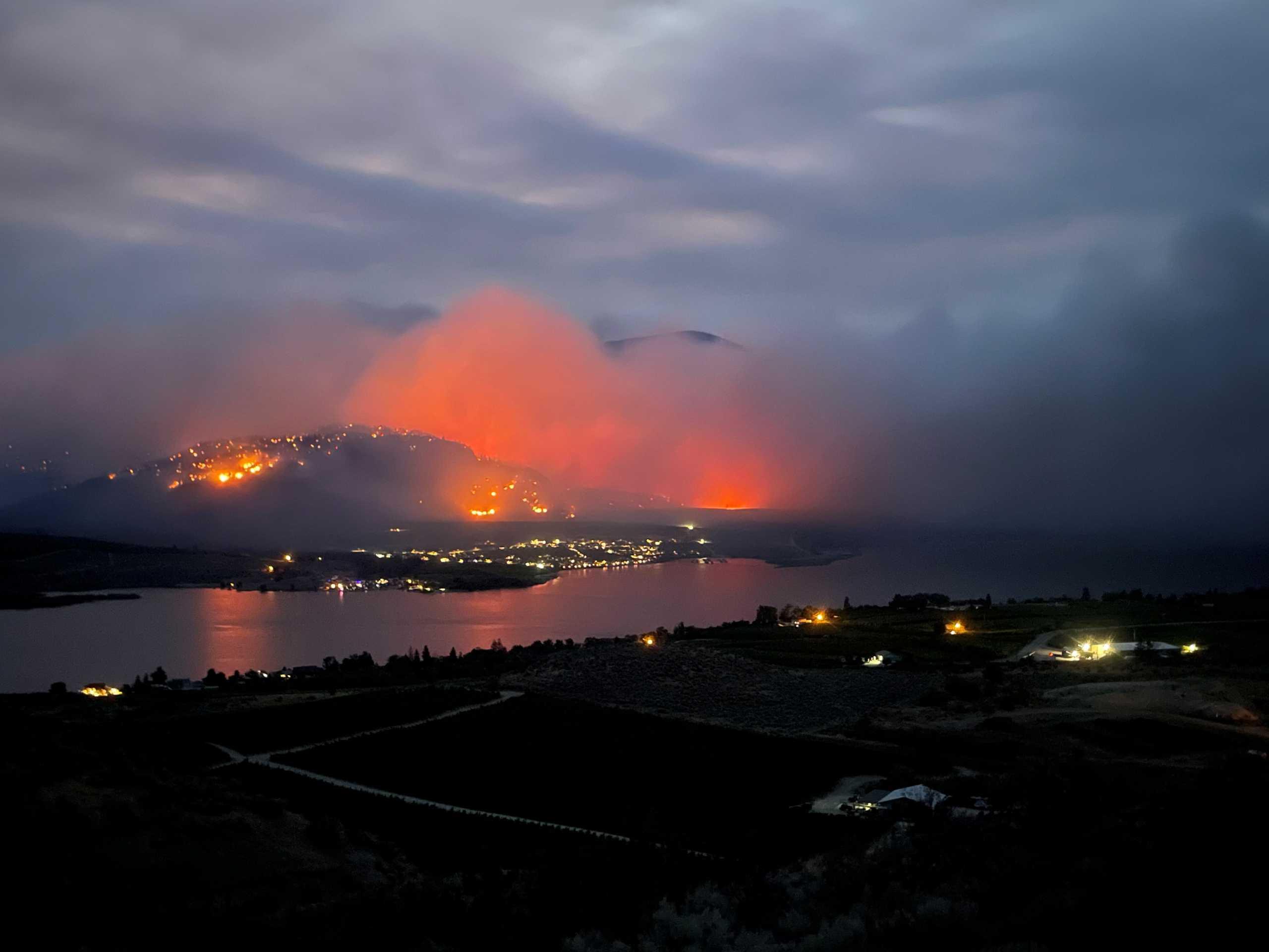 Καναδάς: Φωτιές κατακαίουν την Βρετανική Κολομβία – Χιλιάδες εγκατέλειψαν τα σπίτια τους