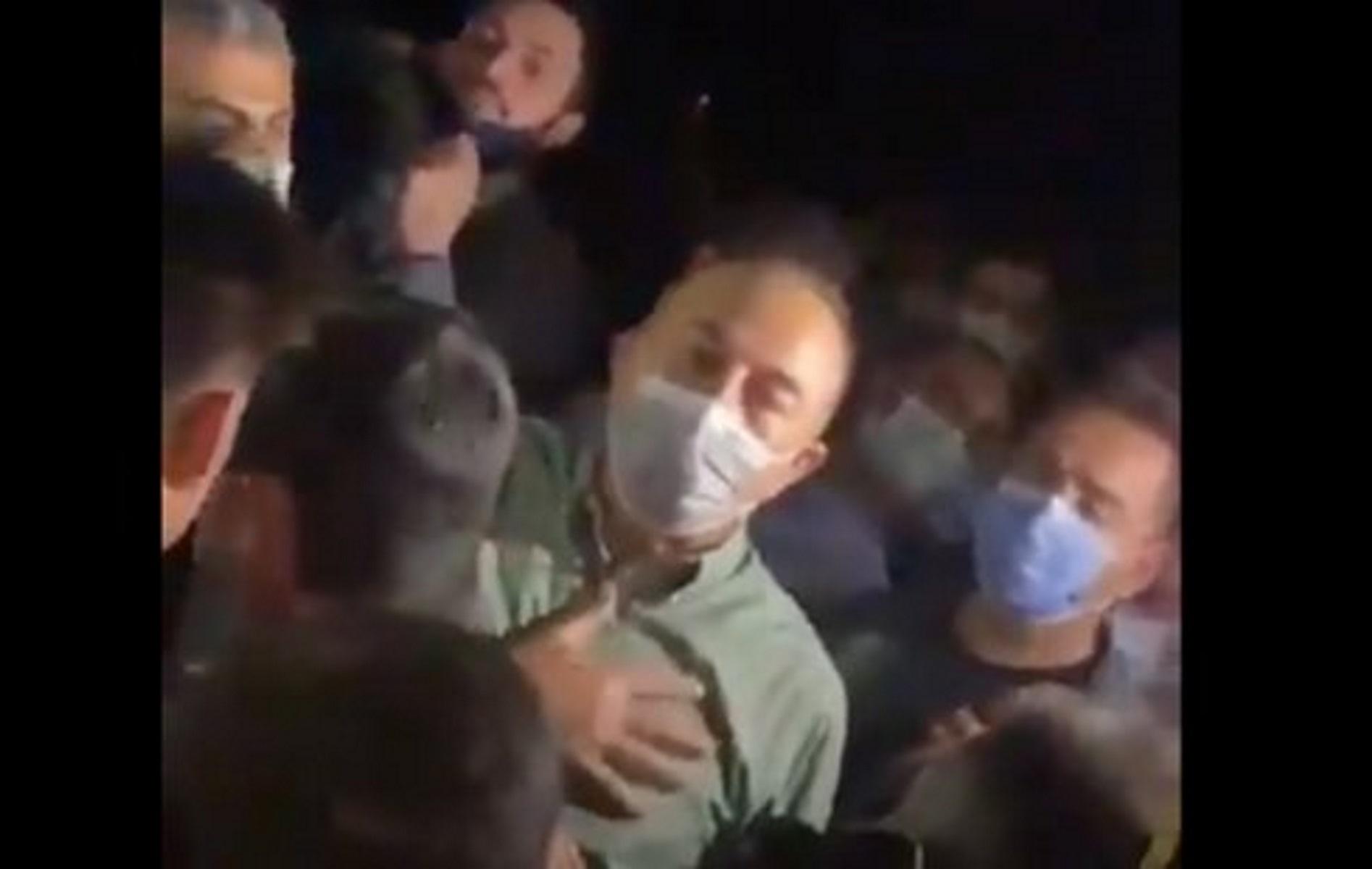 Φωτιές στην Τουρκία: Οργισμένοι κάτοικοι επιτέθηκαν στον Τσαβούσογλου