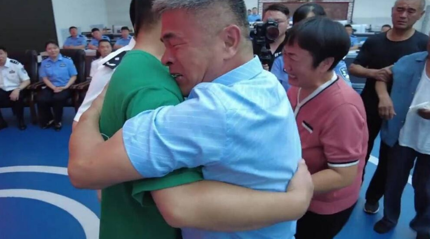 Κίνα: Βρήκε τον απαχθέντα γιο του μετά από 24 χρόνια