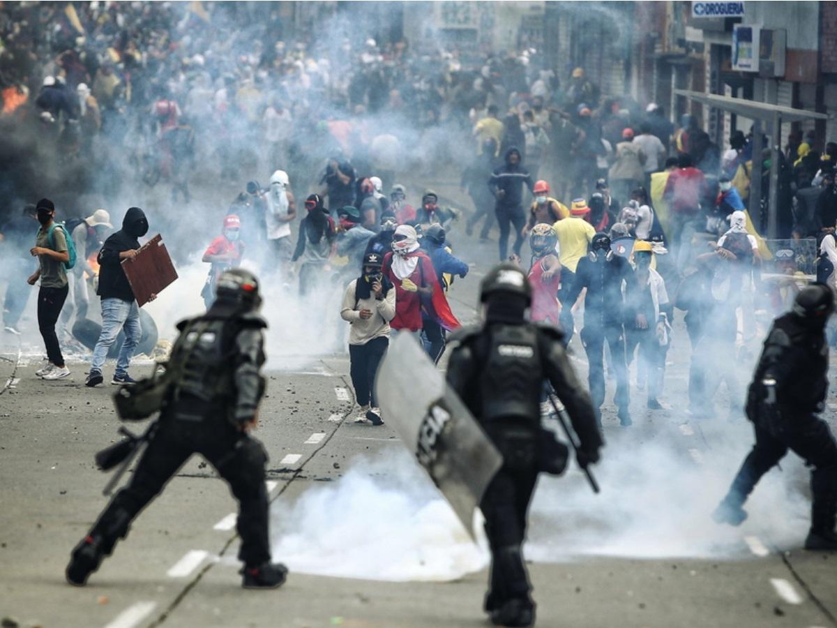 Διαδηλώσεις στην Κολομβία: Στους δρόμους και πάλι οι πολίτες κατά της κυβέρνησης