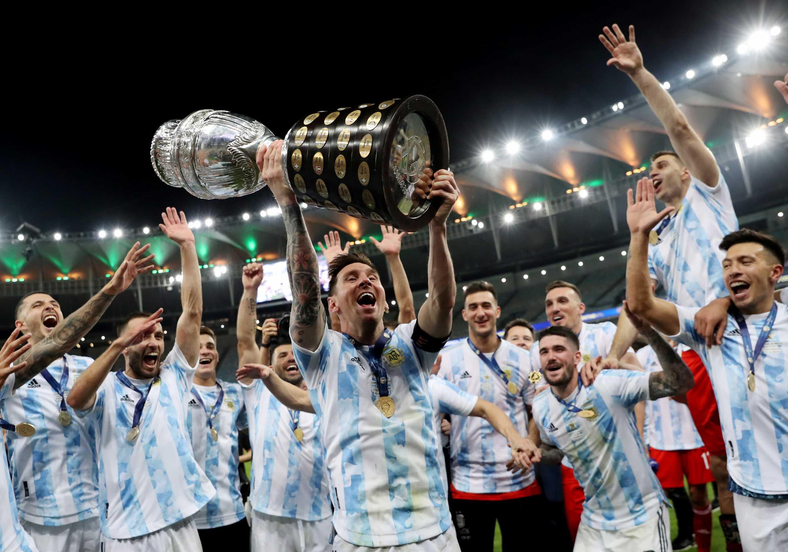 Για τον Ντιέγκο και τον Λέο… Το σήκωσε μέσα στη Βραζιλία η Αργεντινή (1-0)