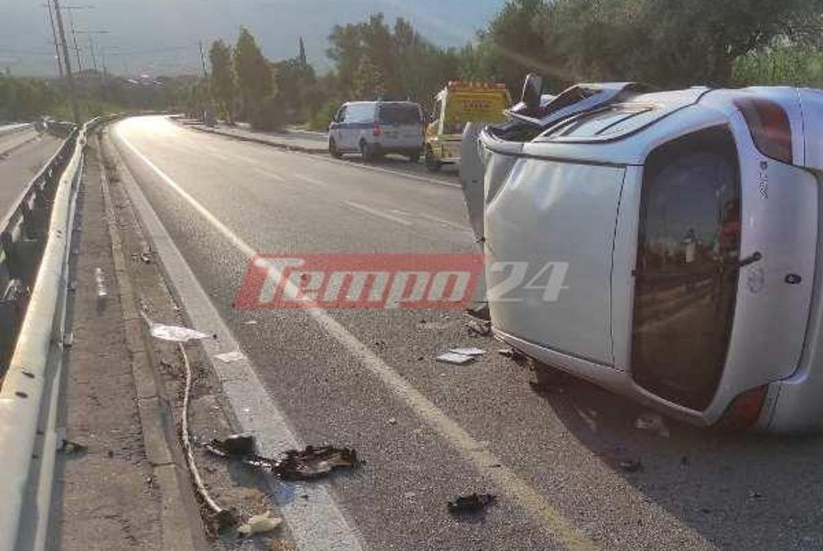 Τρομακτικό τροχαίο στην Πάτρα: Εγκλωβίστηκε στο τουμπαρισμένο αυτοκίνητο και φώναζε «βοήθεια»