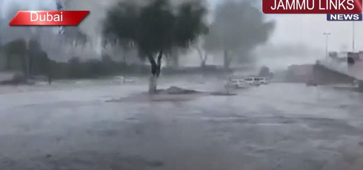 Ντουμπάι: Έφτιαξαν τεχνητή βροχή για να αντιμετωπίσουν τον καύσωνα των 50 °C