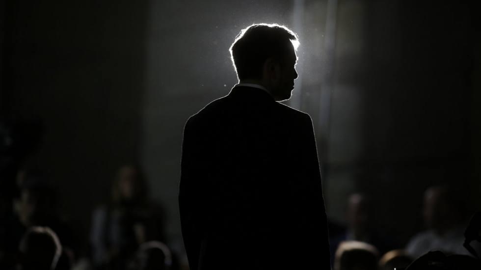 Γιατί οι μέτοχοι της Tesla «τρέχουν» στα δικαστήρια τον Elon Musk;