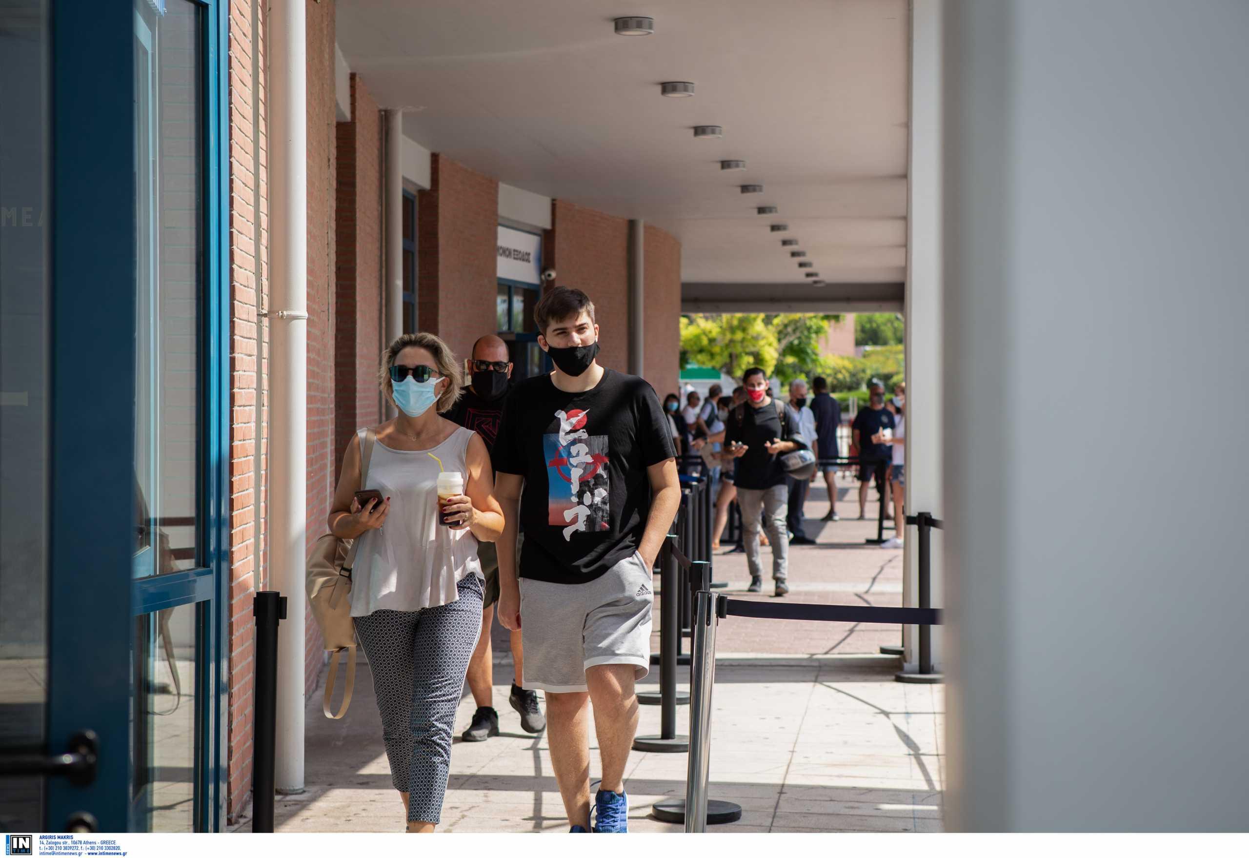 Εμβολιασμός – Άκης Σκέρτσος: 308.603 νέοι 18 ως 25 ετών χρησιμοποίησαν το freedom pass