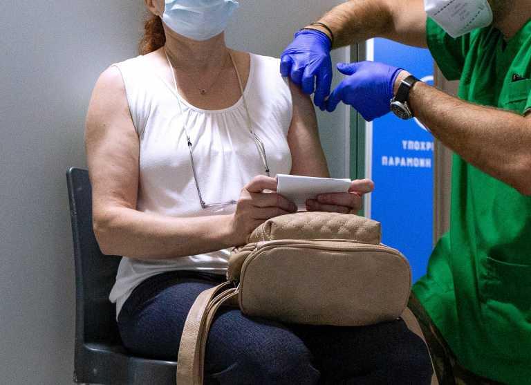 Θεόδωρος Βασιλακόπουλος για εμβόλιο κορονοϊού: Ασφαλής η τρίτη δόση - Η περίπτωση των ΗΠΑ