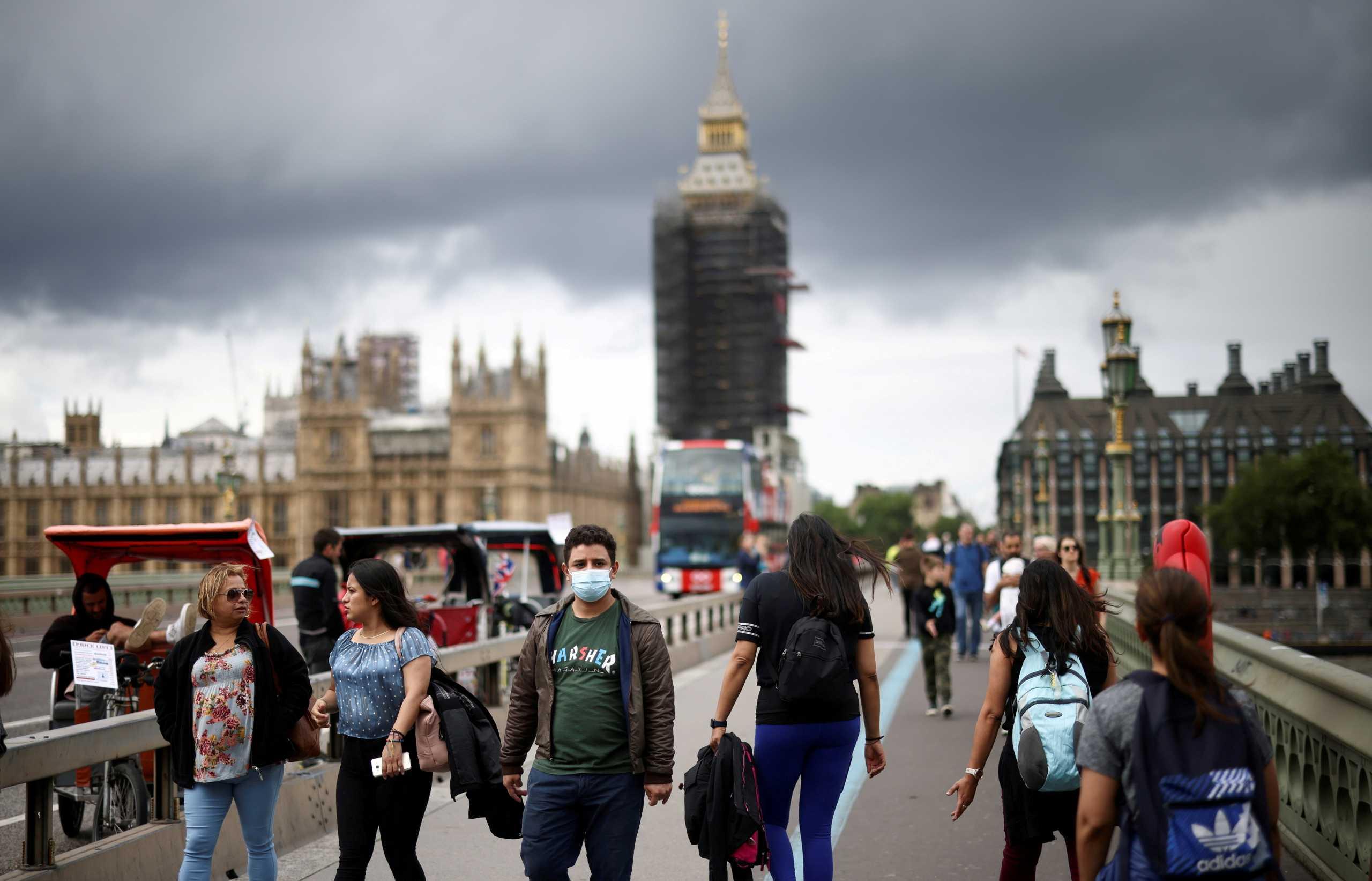 Βρετανία – κορονοϊός: 209 νεκροί το τελευταίο 24ωρο – Ο υψηλότερος αριθμός από τις αρχές Μαρτίου