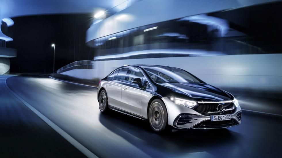 Η Mercedes-Benz επιταχύνει την πλήρη μετάβασή της στην ηλεκτροκίνηση