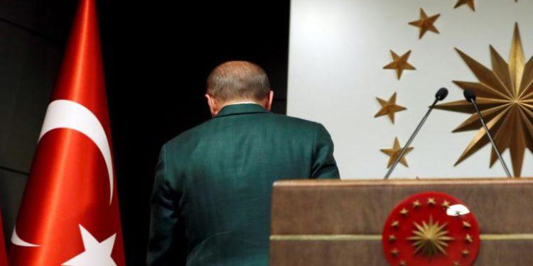 Ο Ερντογάν έκανε «έξαλλα» ακόμη και γερμανικά ΜΜΕ για τα fake news με τον κορονοϊό