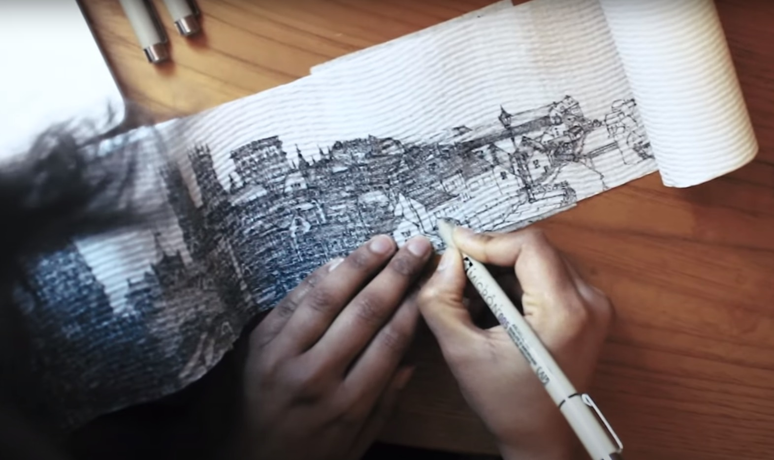 Το ρολό της διαφυγής – Ευρωπαϊκά τοπία ζωγραφισμένα πάνω σε χαρτί υγείας