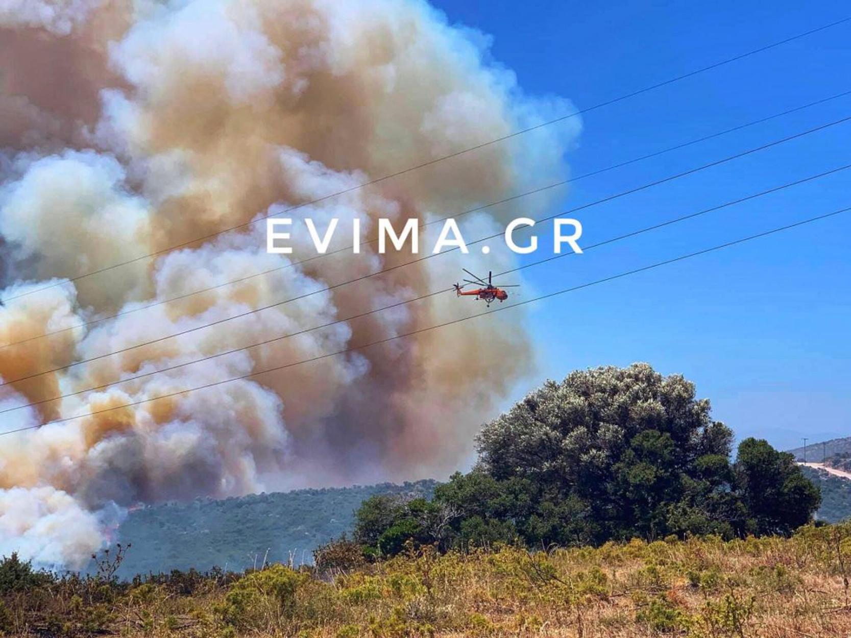 Εύβοια: Δύο φωτιές στα Πολιτικά – Μεγάλη κινητοποίηση της Πυροσβεστικής