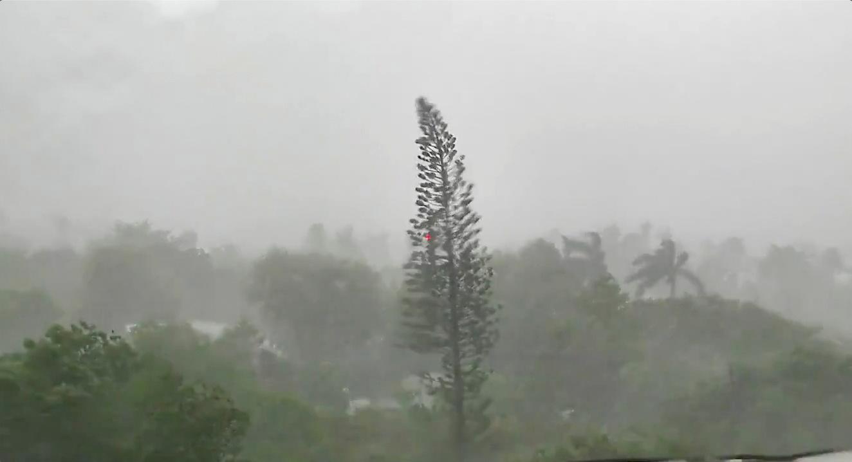 Συναγερμός στις ΗΠΑ: Θωρακίζεται η ανατολική ακτή από την τροπική καταιγίδα Χένρι