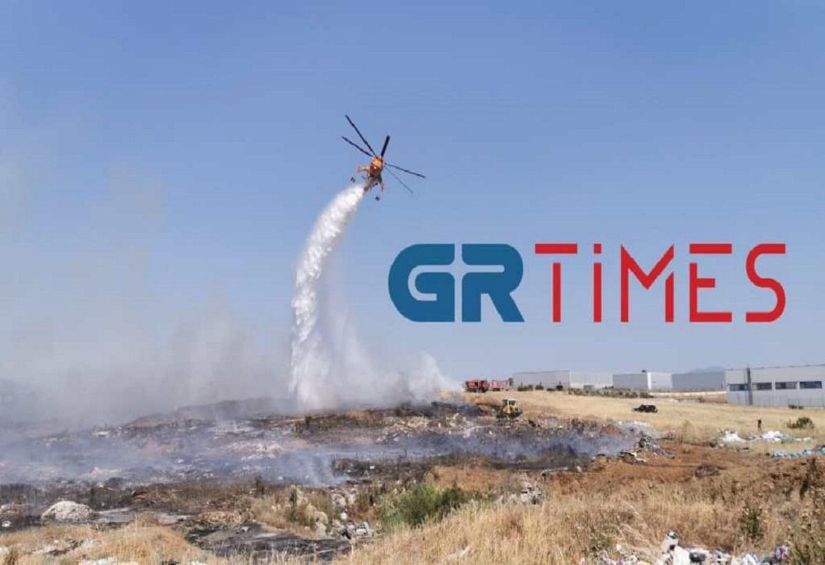 Ωραιόκαστρο: Μάχη από γη και αέρα για να «πιάσουν» τη φωτιά