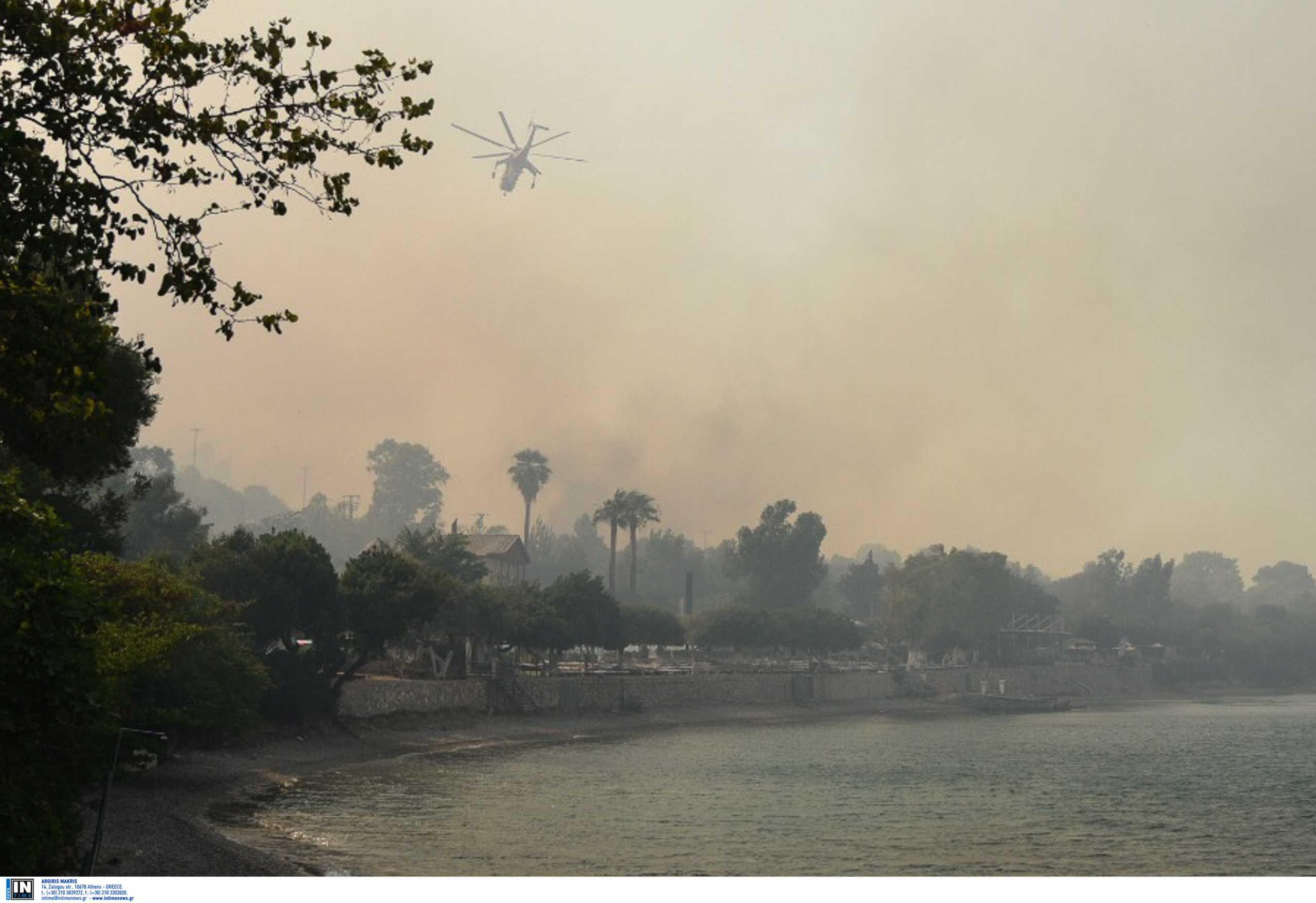 Μέσα στην κόλαση της πυρκαγιάς στην Αχαΐα: Μαρτυρίες για τις μανιασμένες φλόγες – Κάηκαν πολλά σπίτια