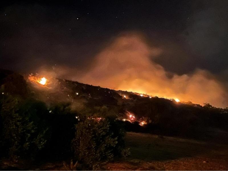 Ηράκλειο: Μεγάλη φωτιά στο Ηράκλειο απείλησε σπίτια