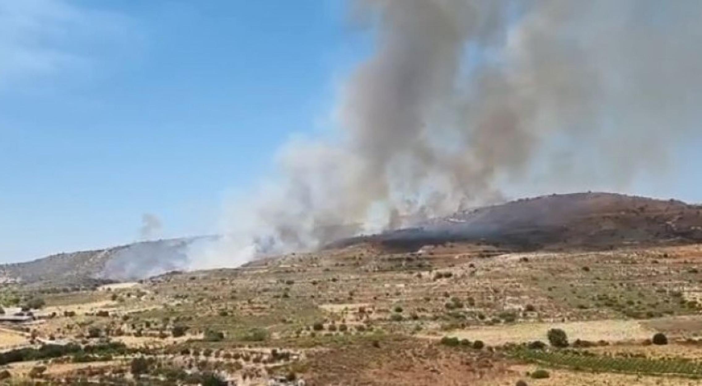 Κύπρος: Μεγάλη φωτιά στην Πάχνα Λεμεσού – Εκκενώθηκαν σπίτια