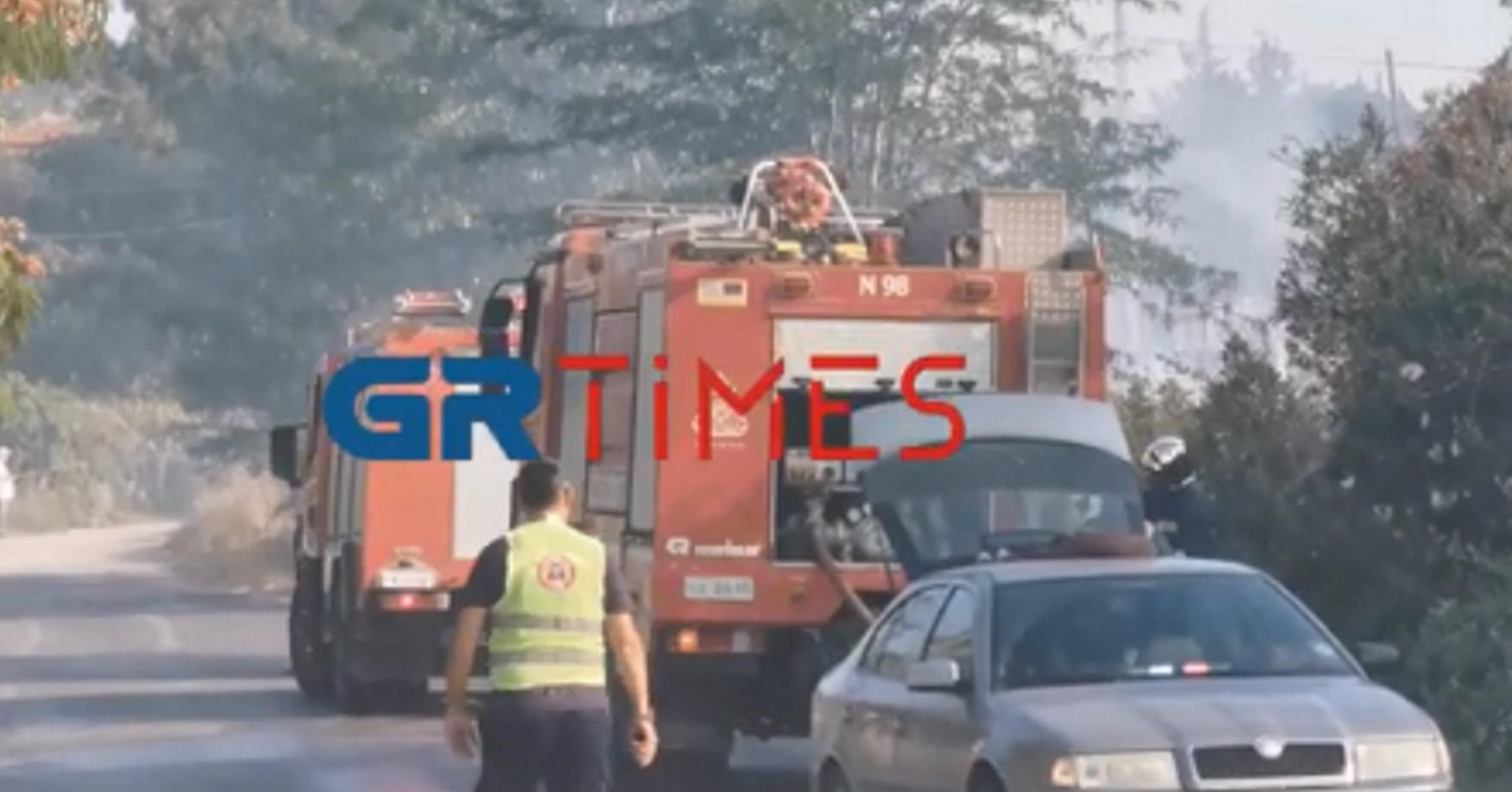 Φωτιά στον Τρίλοφο Θεσσαλονίκης – Εκκενώθηκε ξενοδοχείο