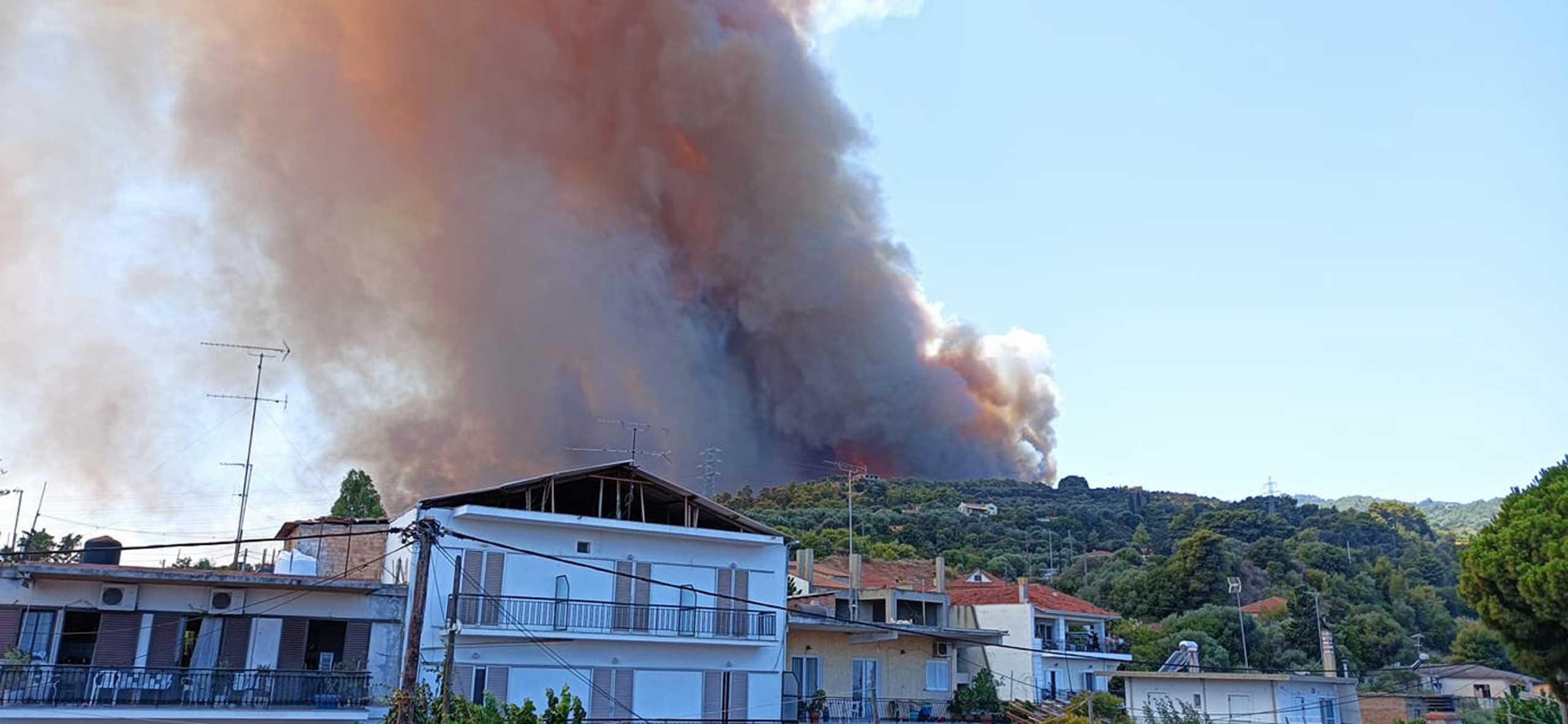 Πρόεδρος Δημοτικού Συμβουλίου Αιγιαλείας: Έχουν καεί πάνω από 20 σπίτια στη Ζήρια