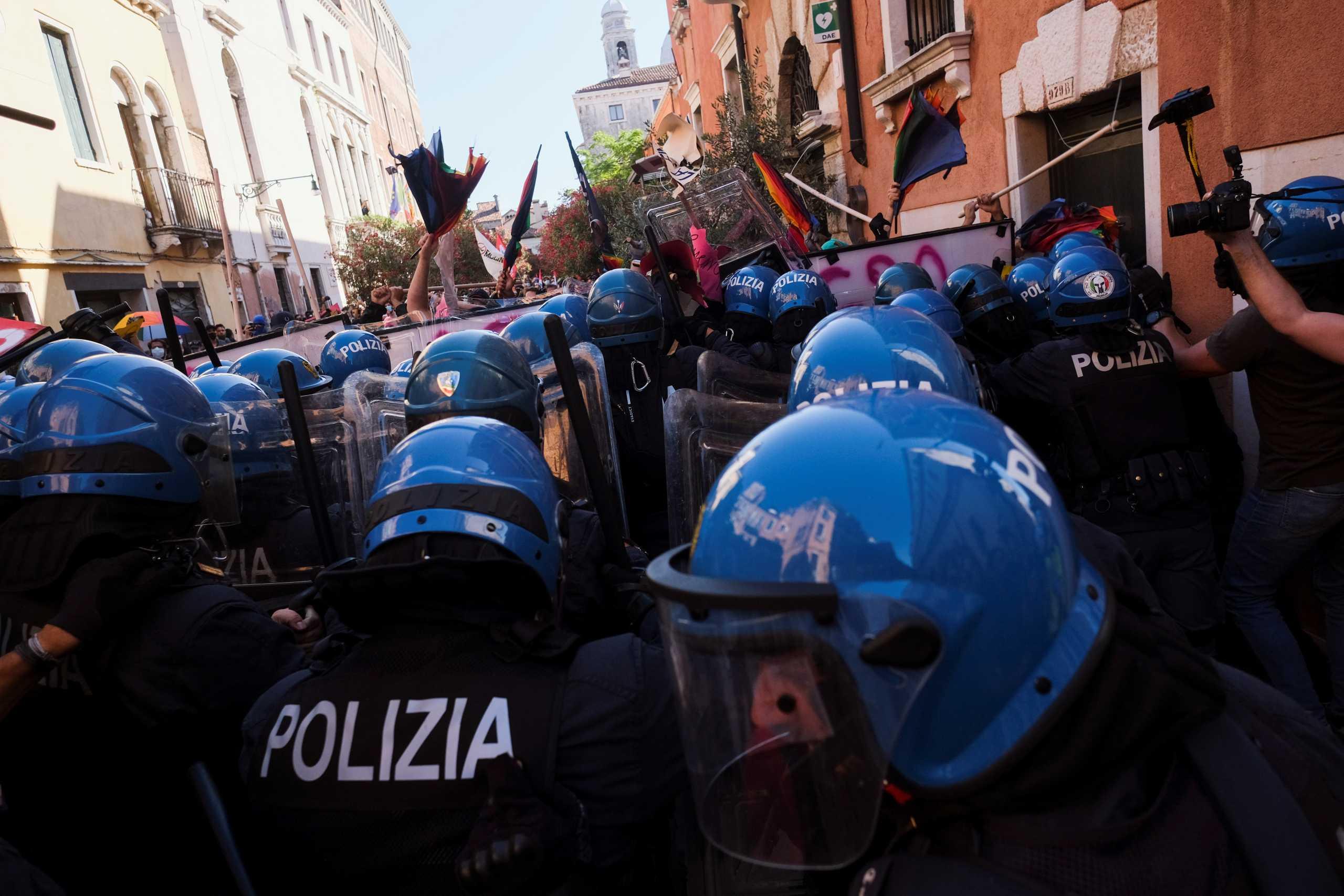 G20: Συγκρούσεις των διαδηλωτών με την αστυνομία έξω από την σύνοδο