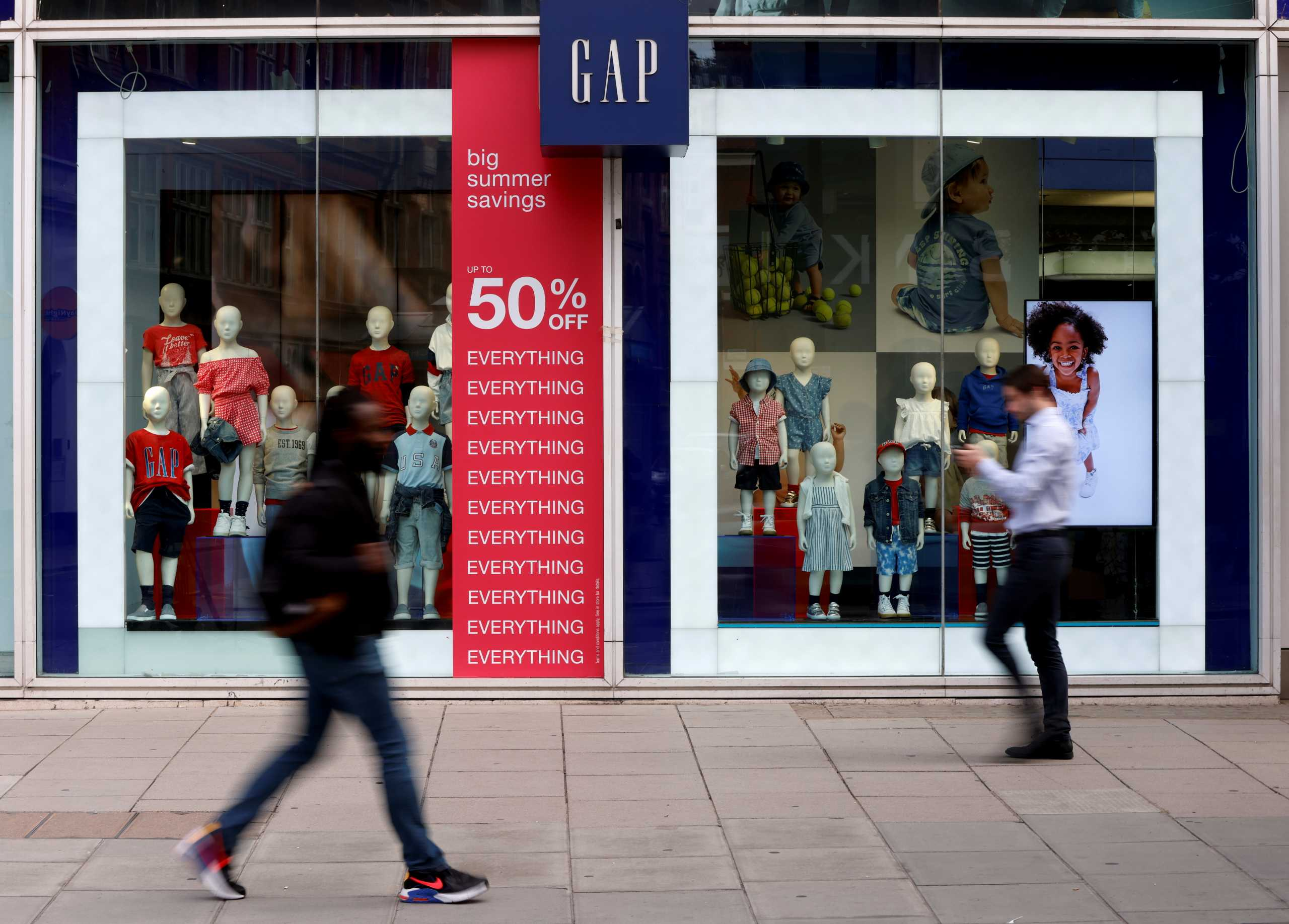 Ο όμιλος Gap βάζει λουκέτο στα καταστήματά του σε Ηνωμένο Βασίλειο και Ιρλανδία