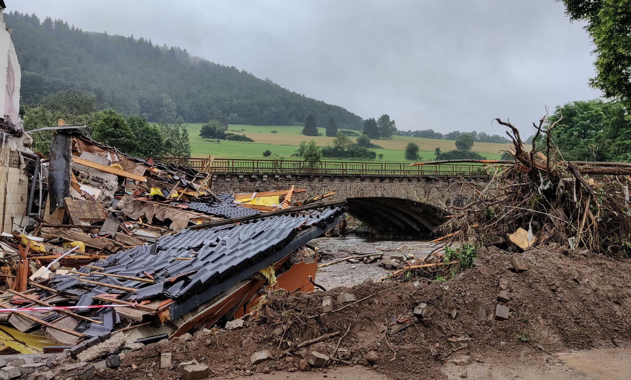 Γερμανία: 103 οι νεκροί από τις φονικές πλημμύρες – Και νέα μεγάλη κατολίσθηση στην Κολωνία