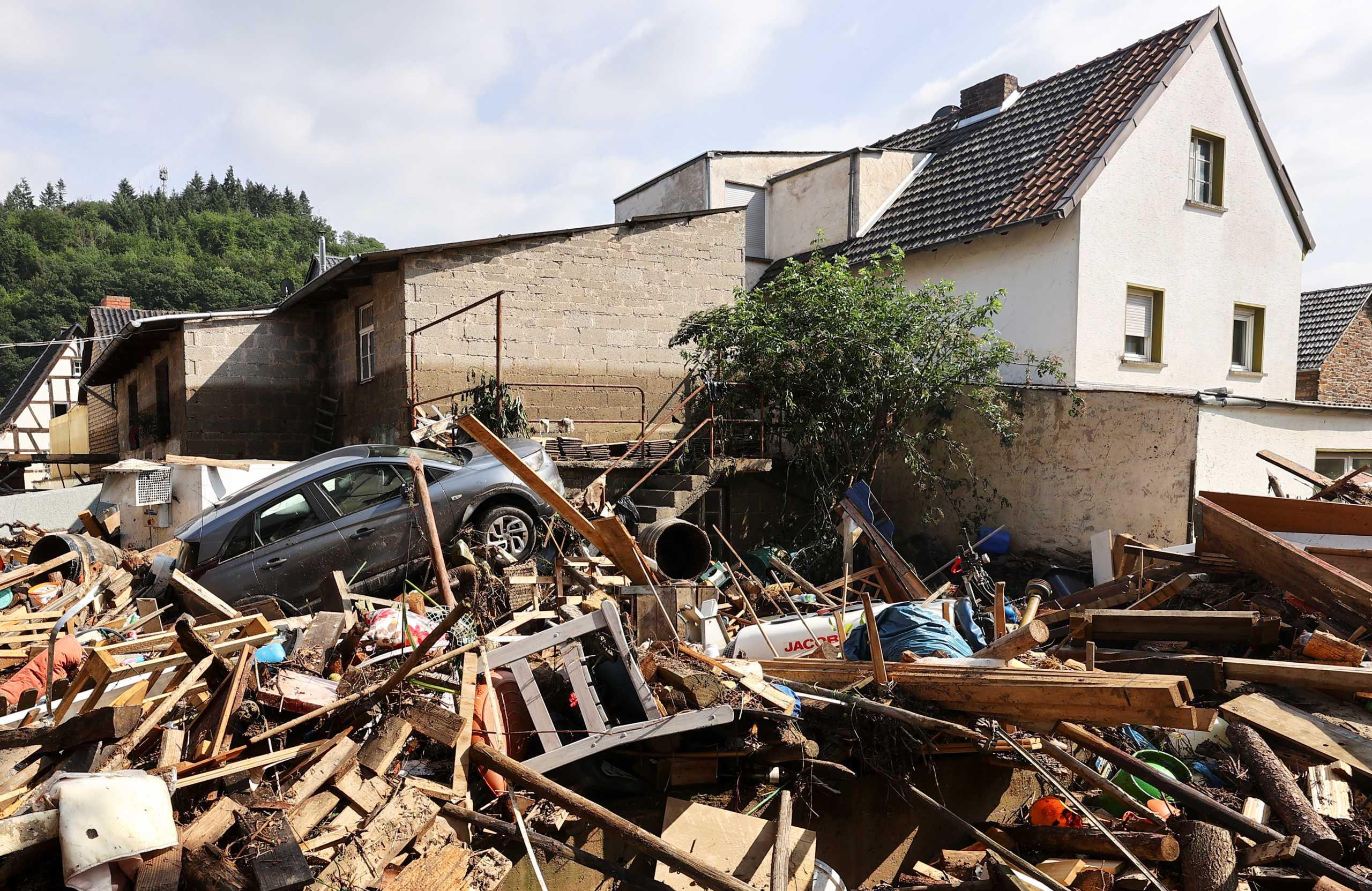 Πλημμύρες στη Γερμανία: Ελάχιστες πιθανότητες να βρεθούν επιζώντες