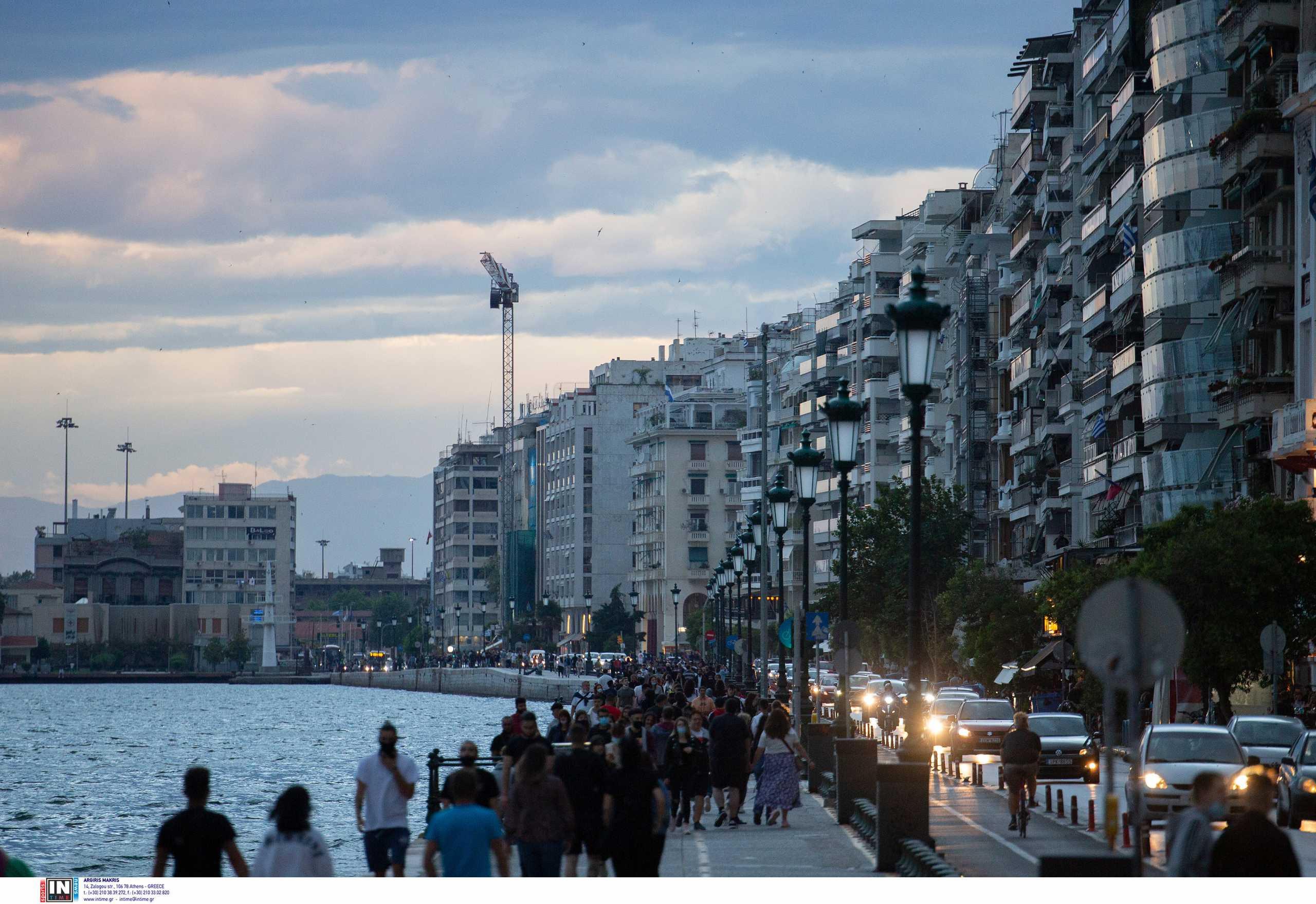 Κορονοϊός: Εκτόξευση νέων κρουσμάτων σε Αττική, Θεσσαλονίκη και Κρήτη – Η γεωγραφική κατανομή