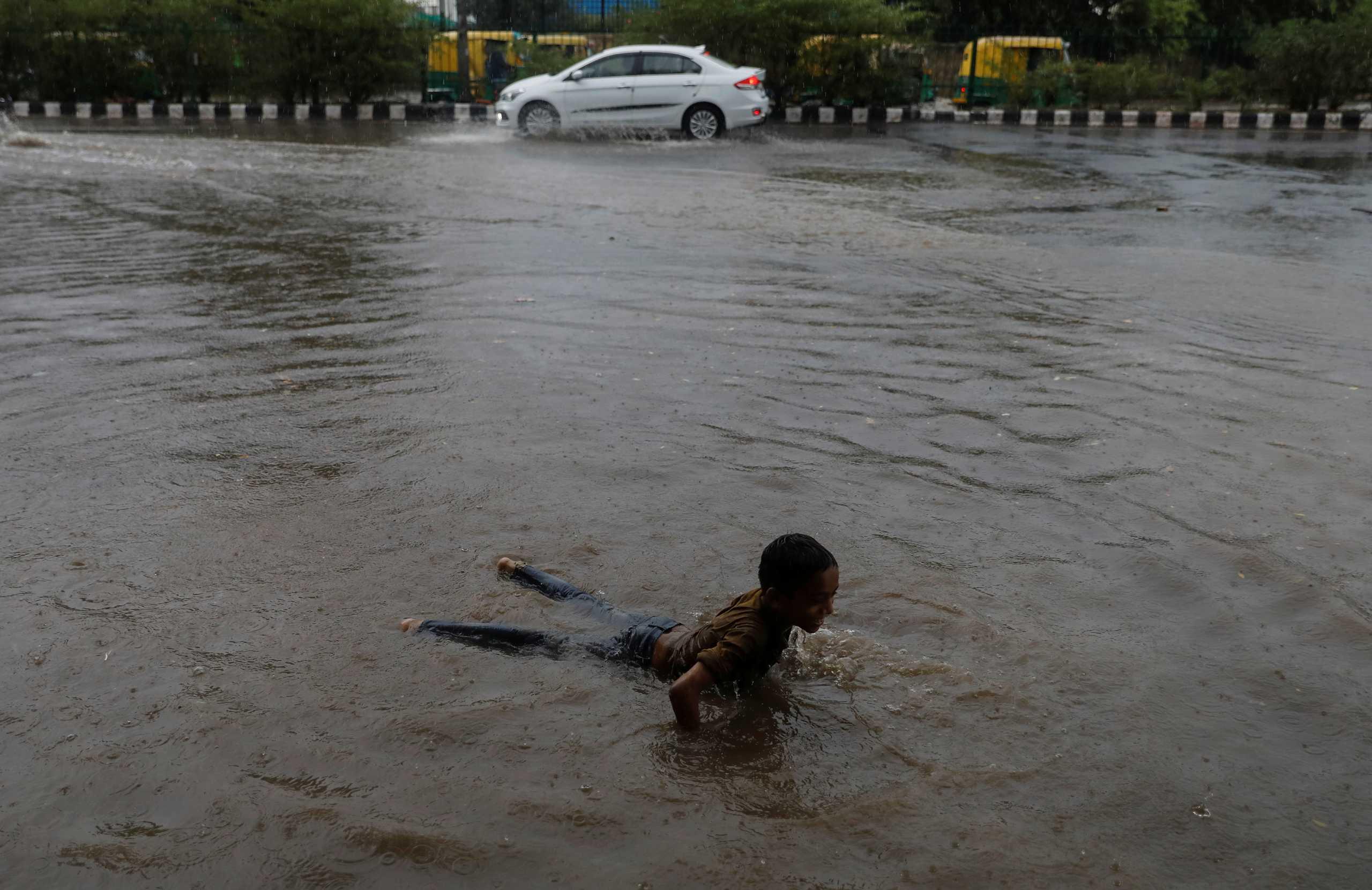 Ινδία: Επιπλέον 11 νεκροί από τις καταρρακτώδεις βροχές