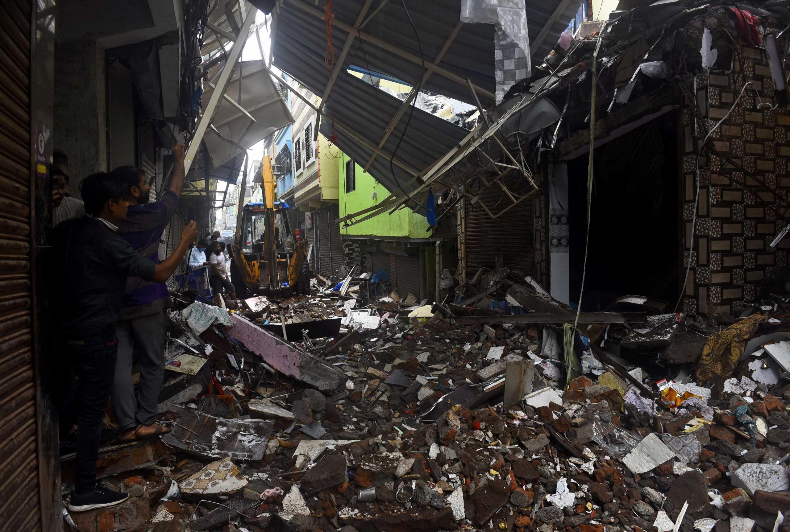 Ινδία: Τραγωδία δίχως τέλος – Εφτασαν τους 112 νεκροί από τις πλημμύρες και κατολισθήσεις