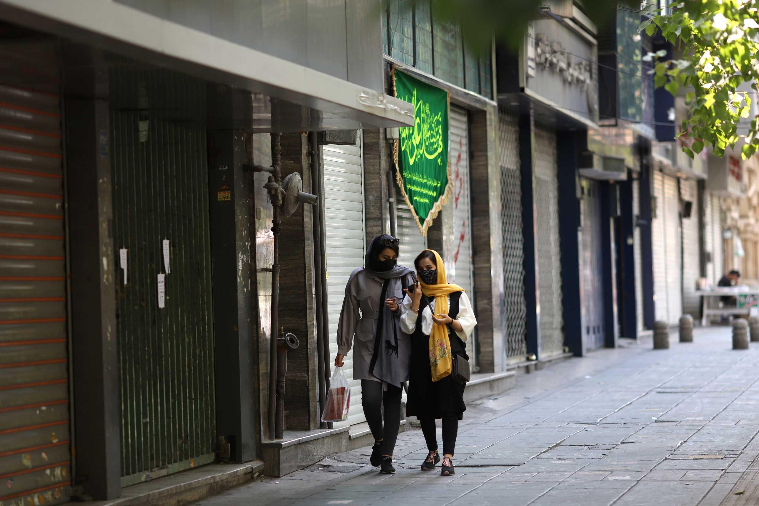 Ιράν – κορονοϊός: 284 νεκροί και πάνω από 15.000 νέα κρούσματα