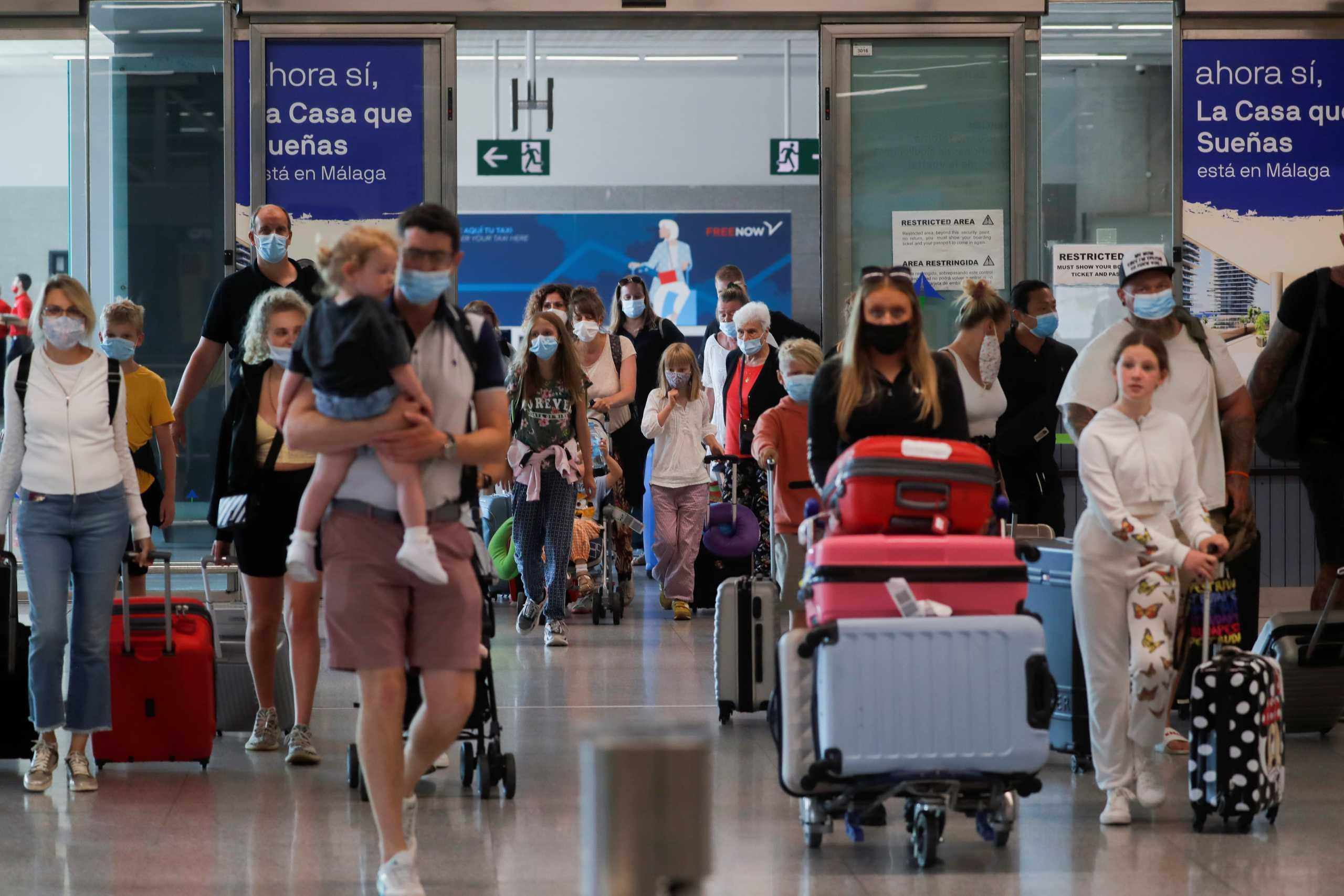Κορονοϊός – Ταξιδιωτική οδηγία των ΗΠΑ: «Μην ταξιδεύετε για Γαλλία»