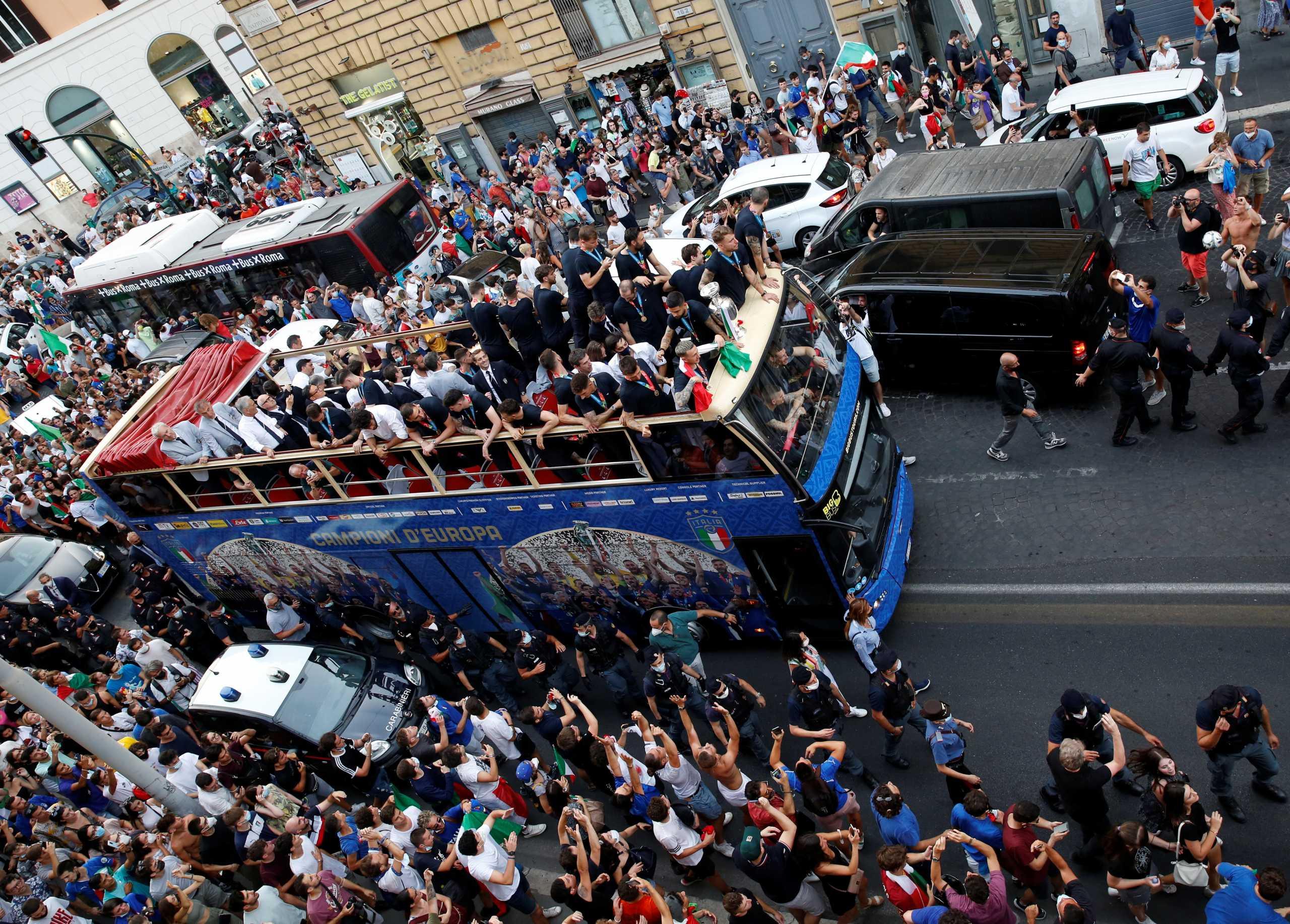 Ιταλία: Αντιδράσεις για το πάρτι των θριαμβευτών του Euro 2020 – Φόβοι για έκρηξη κρουσμάτων
