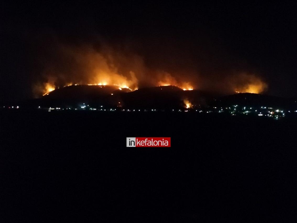 Φωτιά στην Κεφαλονιά: Εφιαλτική η νύχτα που πέρασε – Στη μάχη ξανά τα εναέρια μέσα