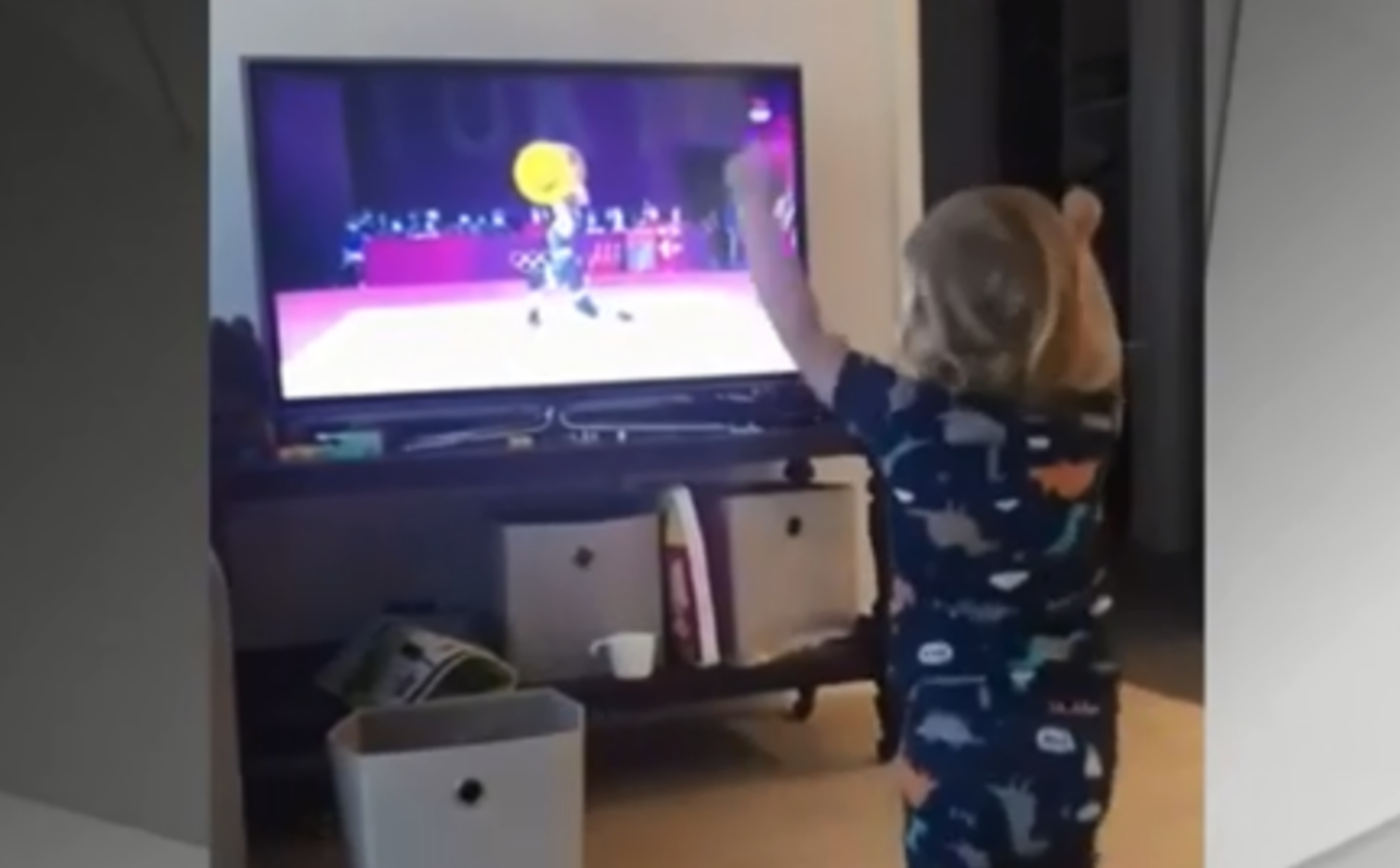 Ολυμπιακοί Αγώνες: Κοριτσάκι «τρελάθηκε» με την άρση βαρών