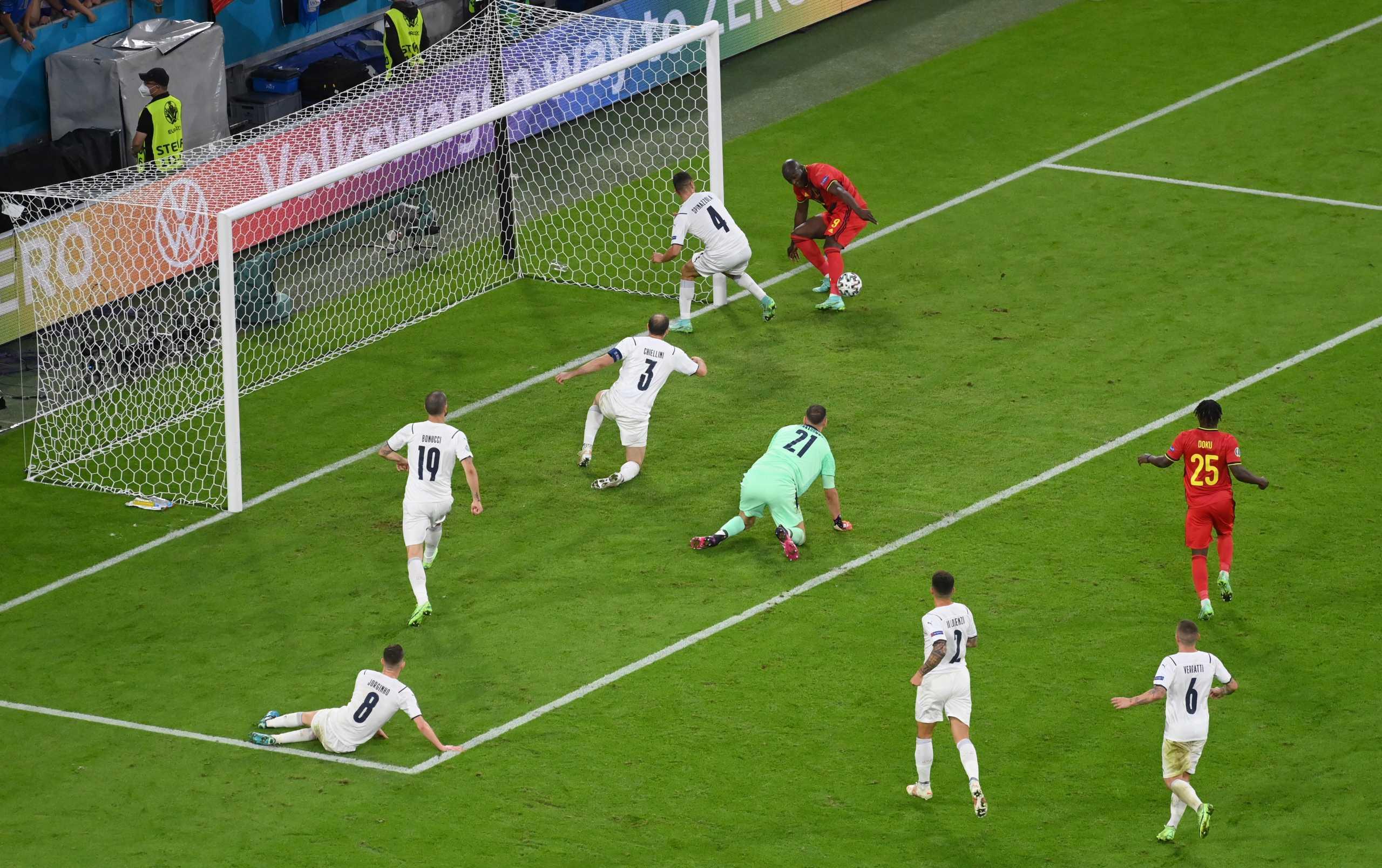 Euro 2020, Βέλγιο – Ιταλία: Η απίστευτη ευκαιρία του Λουκάκου κι ο σωτήρας Σπινατσόλα